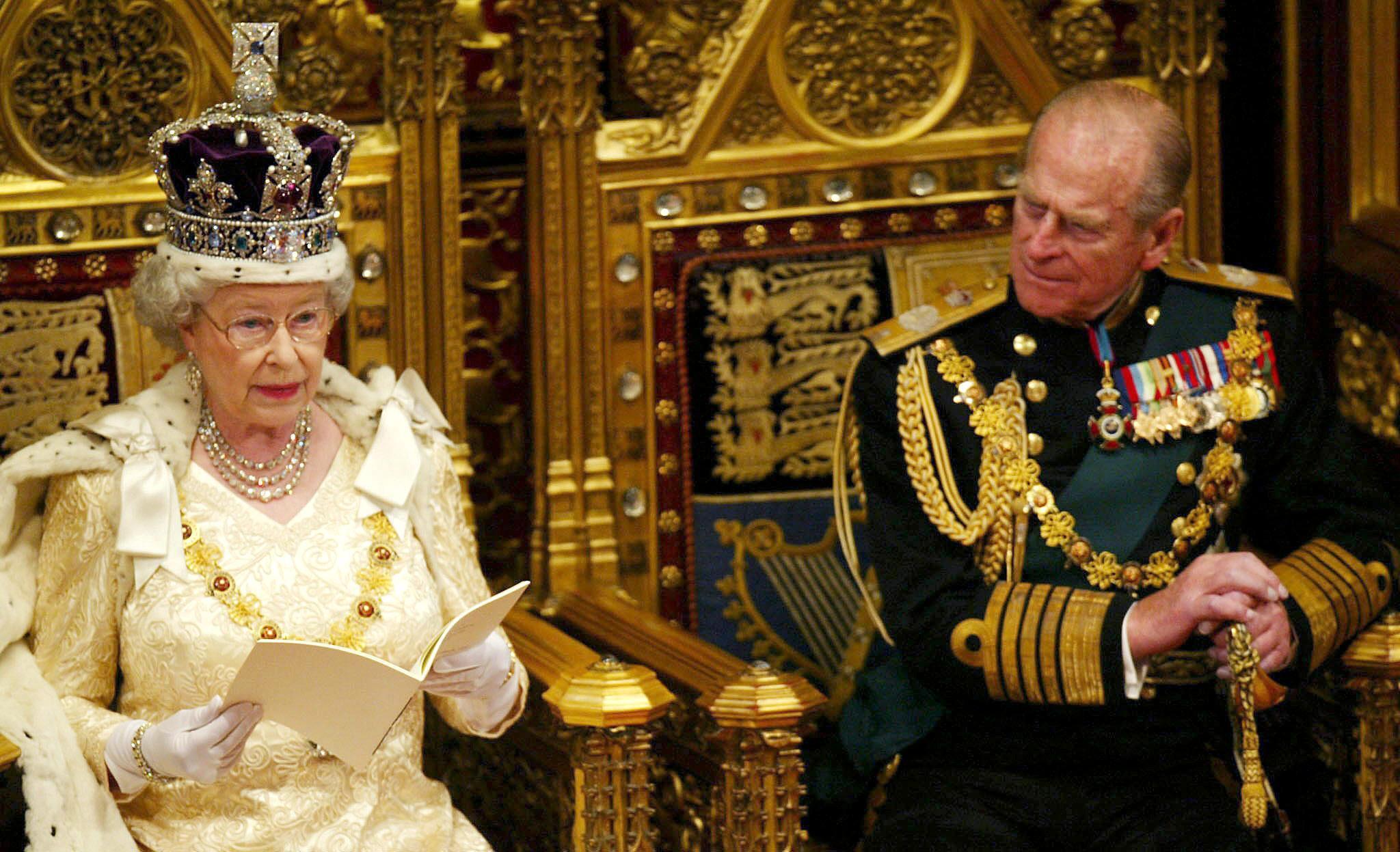 Isabel II no abdicará tras la muerte del duque de Edimburgo