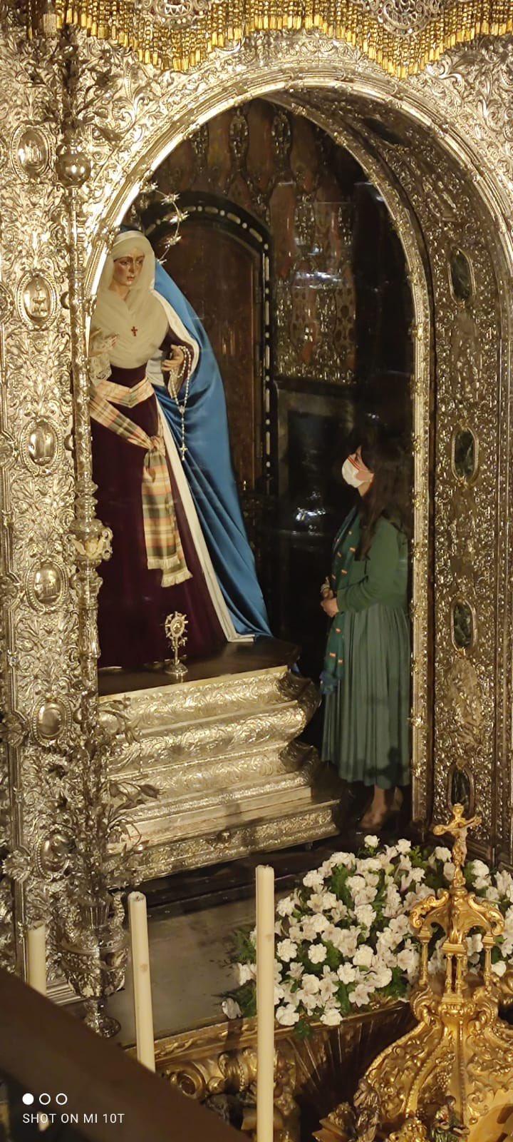 Olona, con la Virgen Macarena
