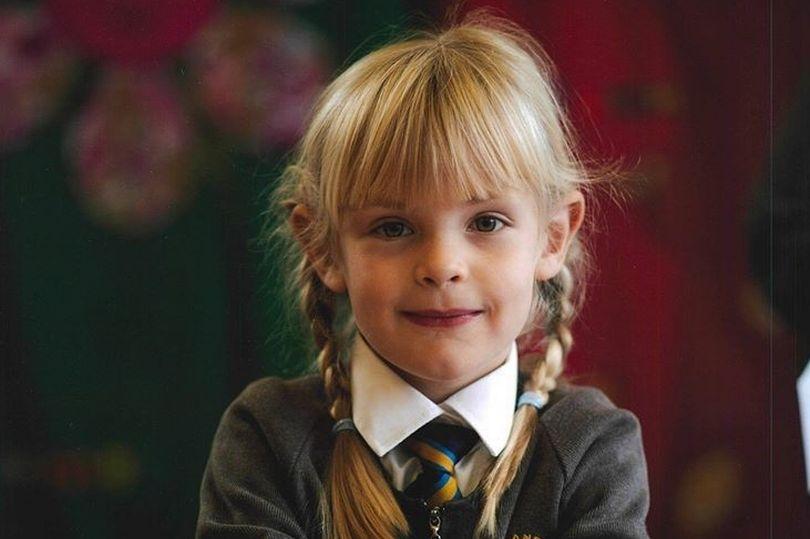 Emily Jones, la niña de 7 años que fue degollada en un parque delante de sus padres