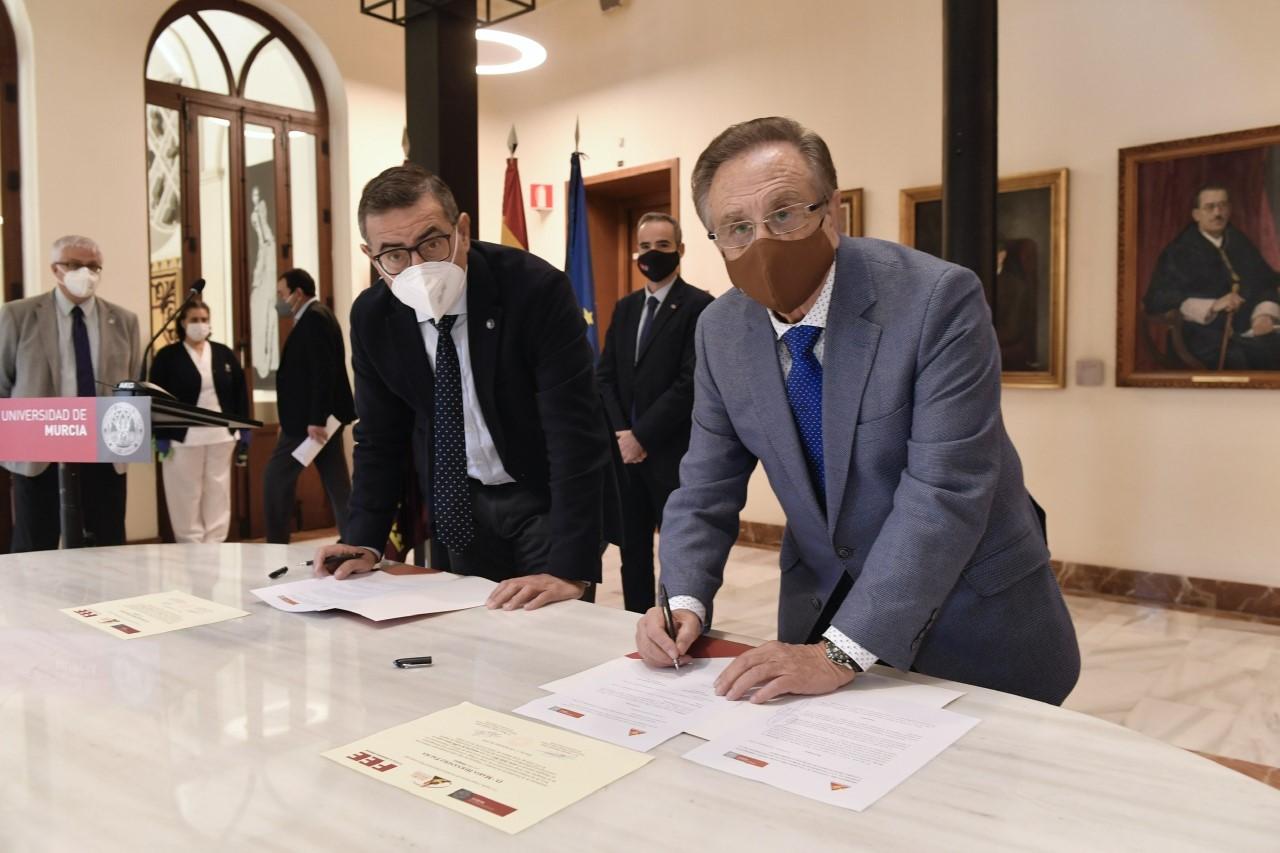 Grupo Fuertes y la Universidad de Murcia renuevan la cátedra de Excelencia Empresarial
