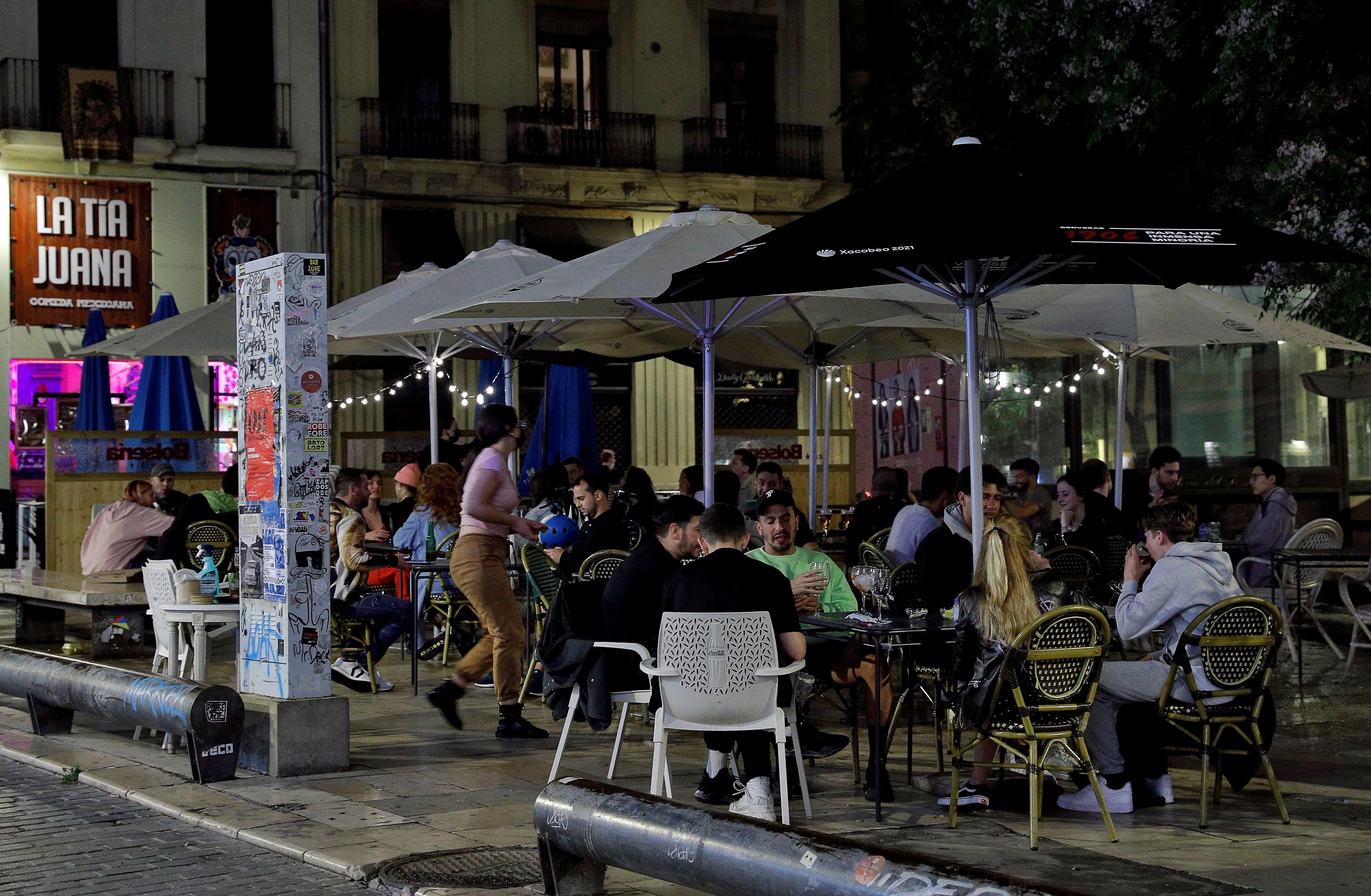 Valencia suspende la tasa de las terrazas en la hostelería para el segundo semestre