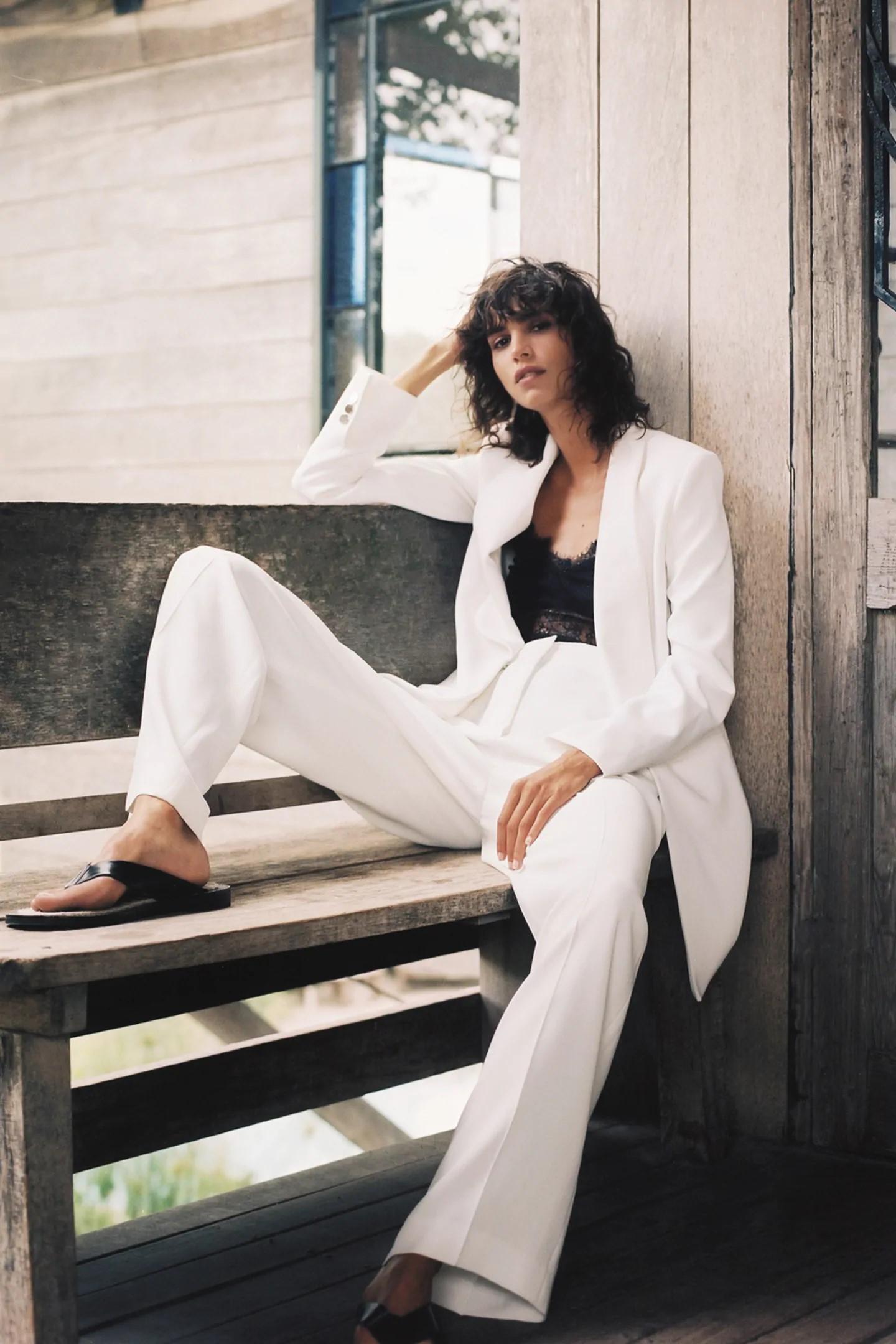 Traje blanco de Zara