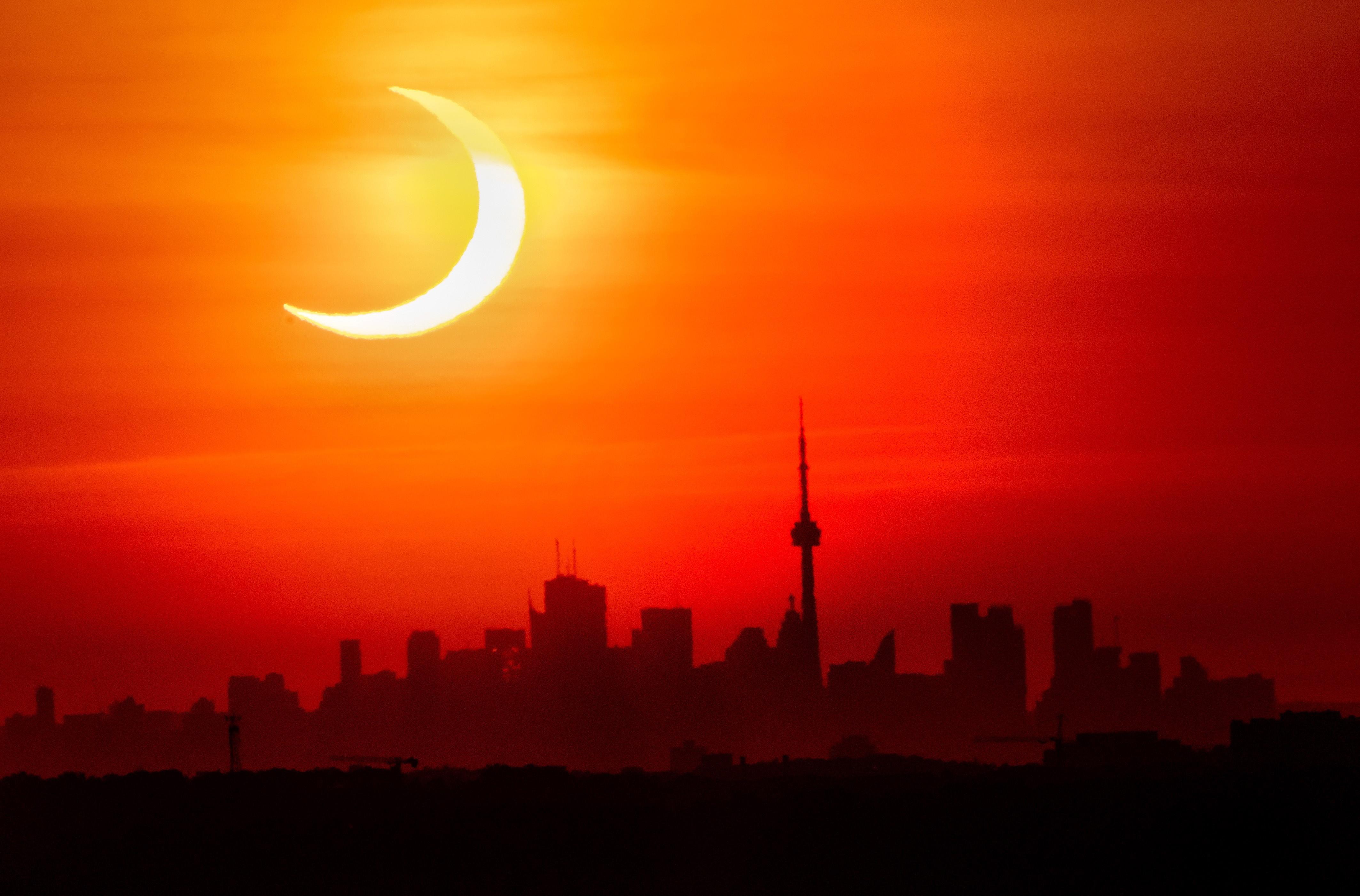 Los eclipses contra el terraplanismo