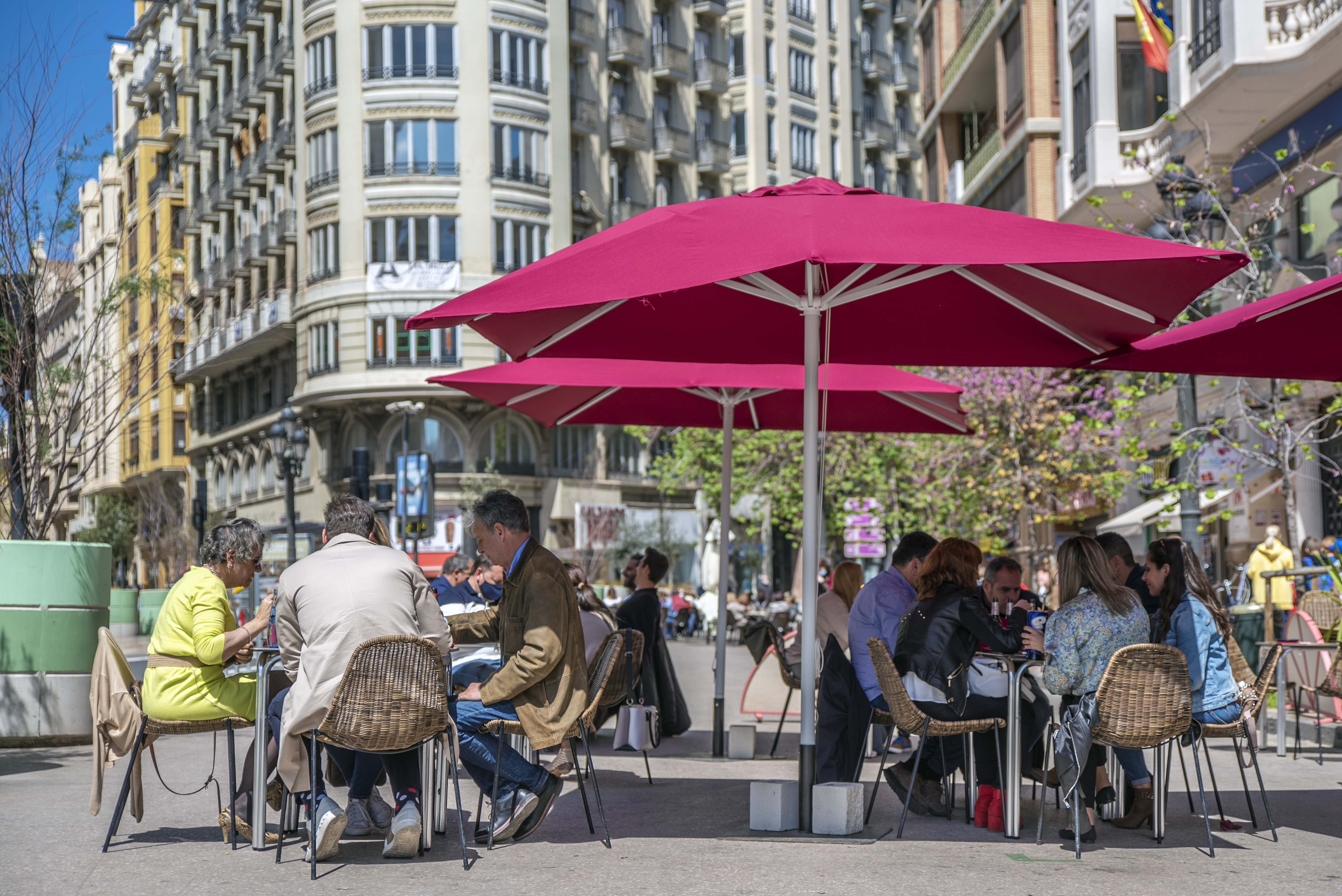 Coronavirus en la Comunitat Valenciana: Los hosteleros valencianos piden cerrar a las 22 horas y ampliar el aforo
