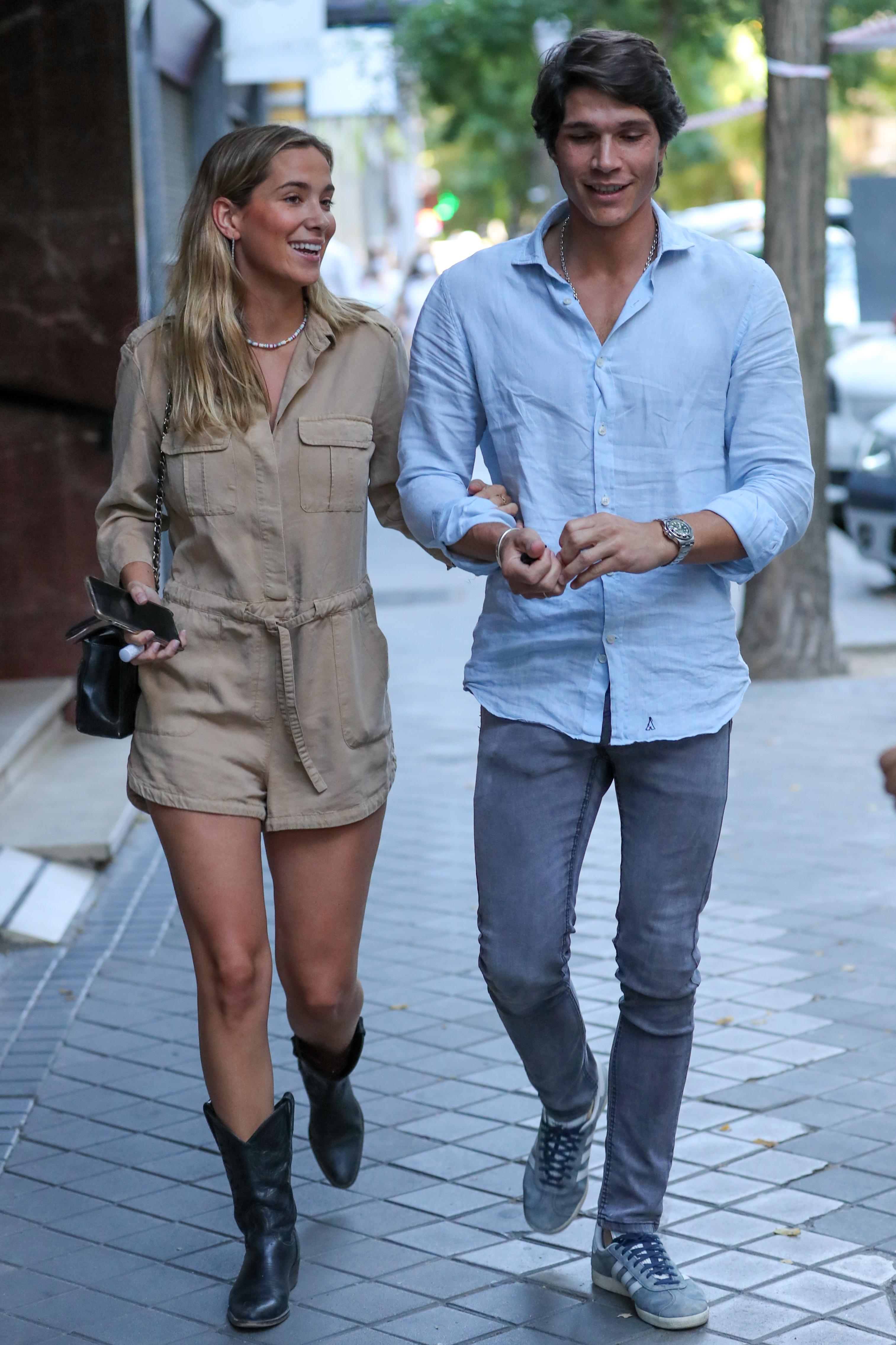 Maria Pombo y Pablo Castellano por las calles de Madrid 19/06/2020