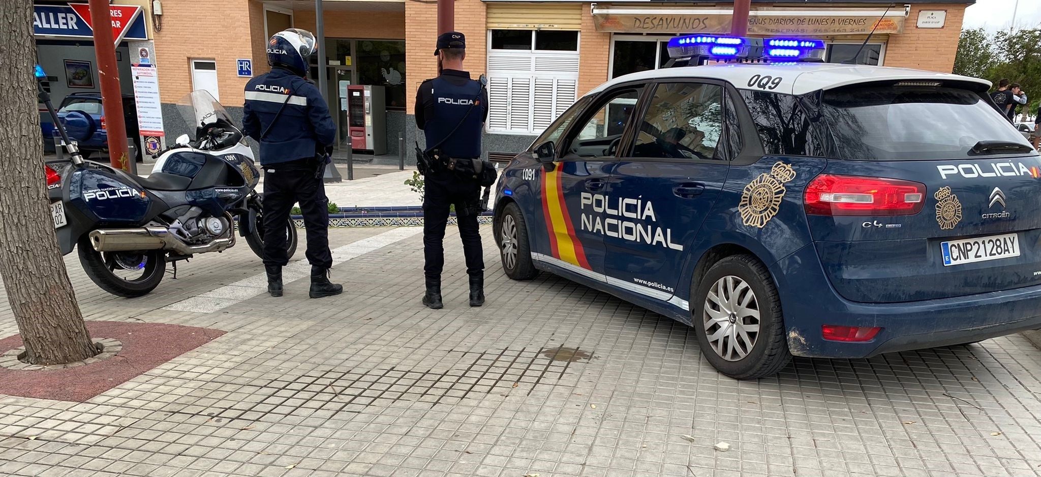 Una riña tumultuaria con 300 personas acaba con dos heridos y 4 detenidos en Alicante