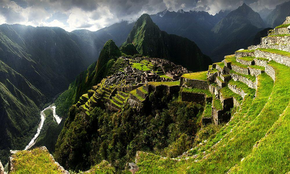Machu Picchu reabre para disfrute de un único turista japonés