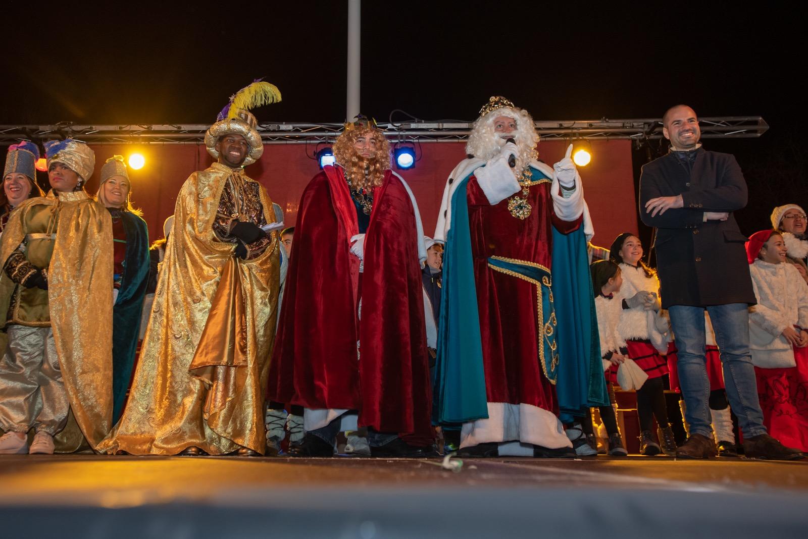 Los Reyes Magos llegan en bus descapotable y con GPS