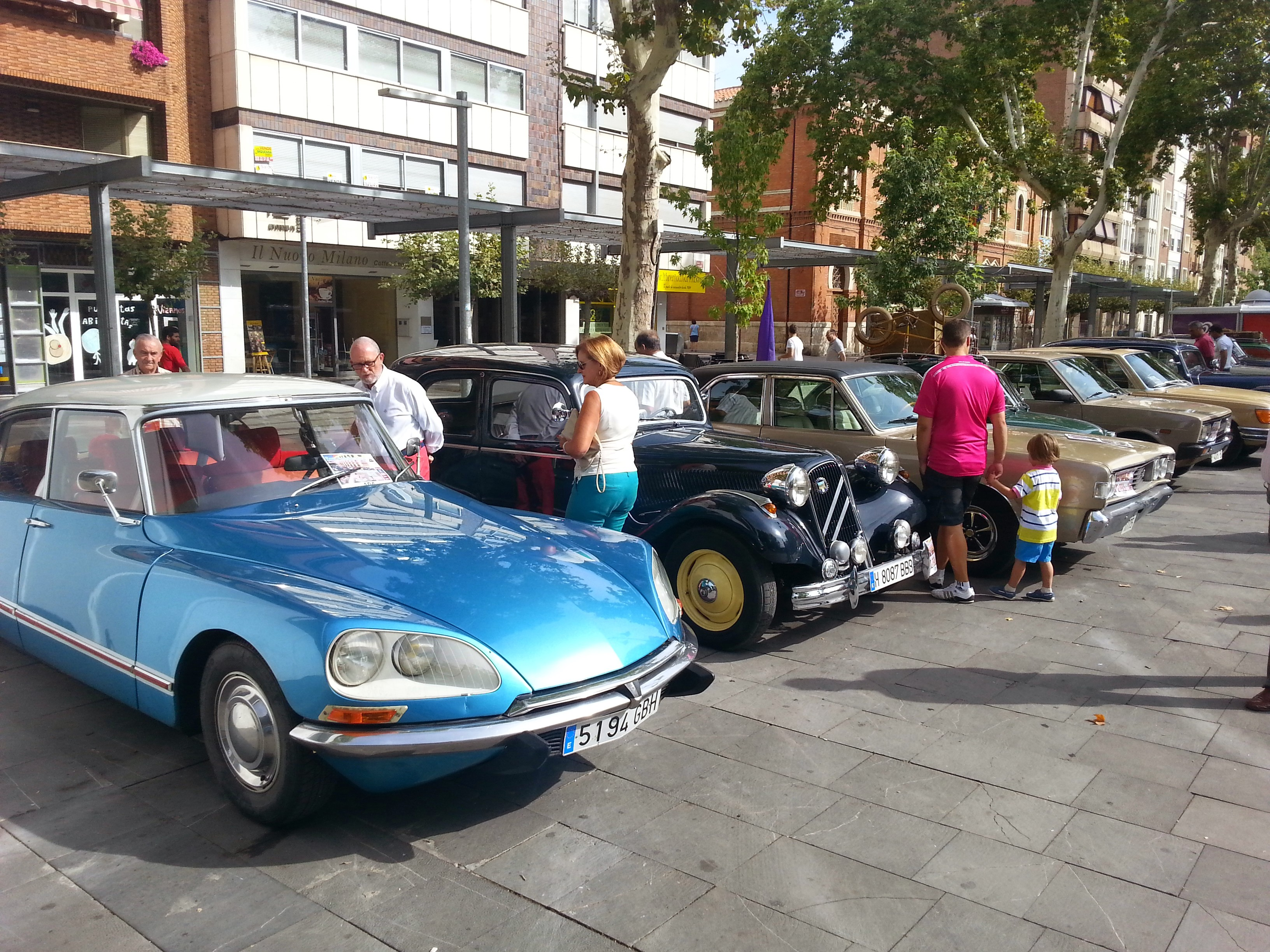 Concentración de coches clásicos en Palencia