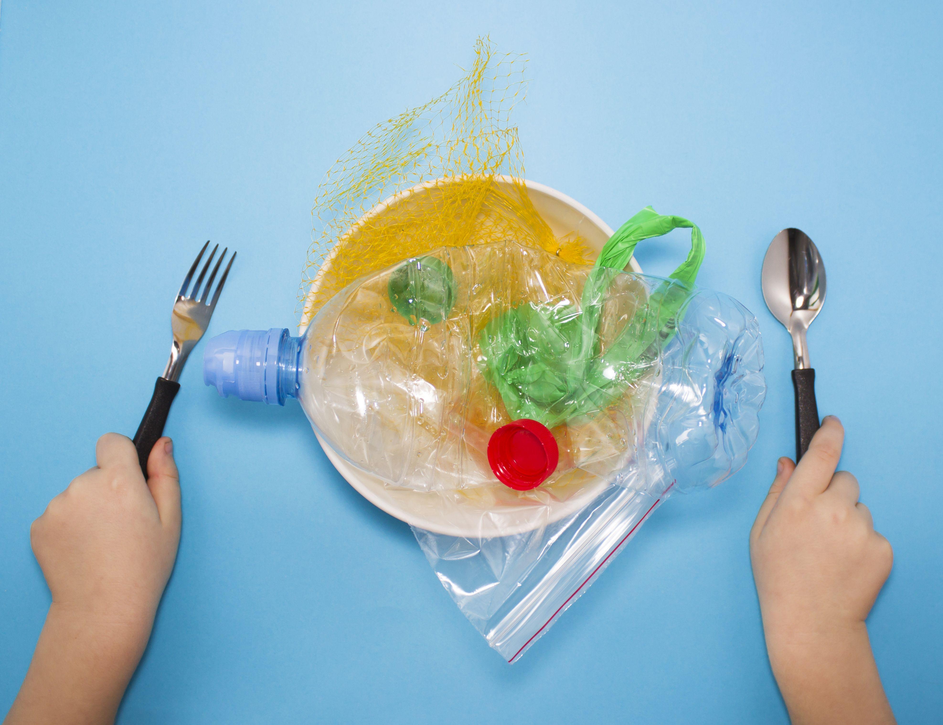 Orinamos plástico a diario