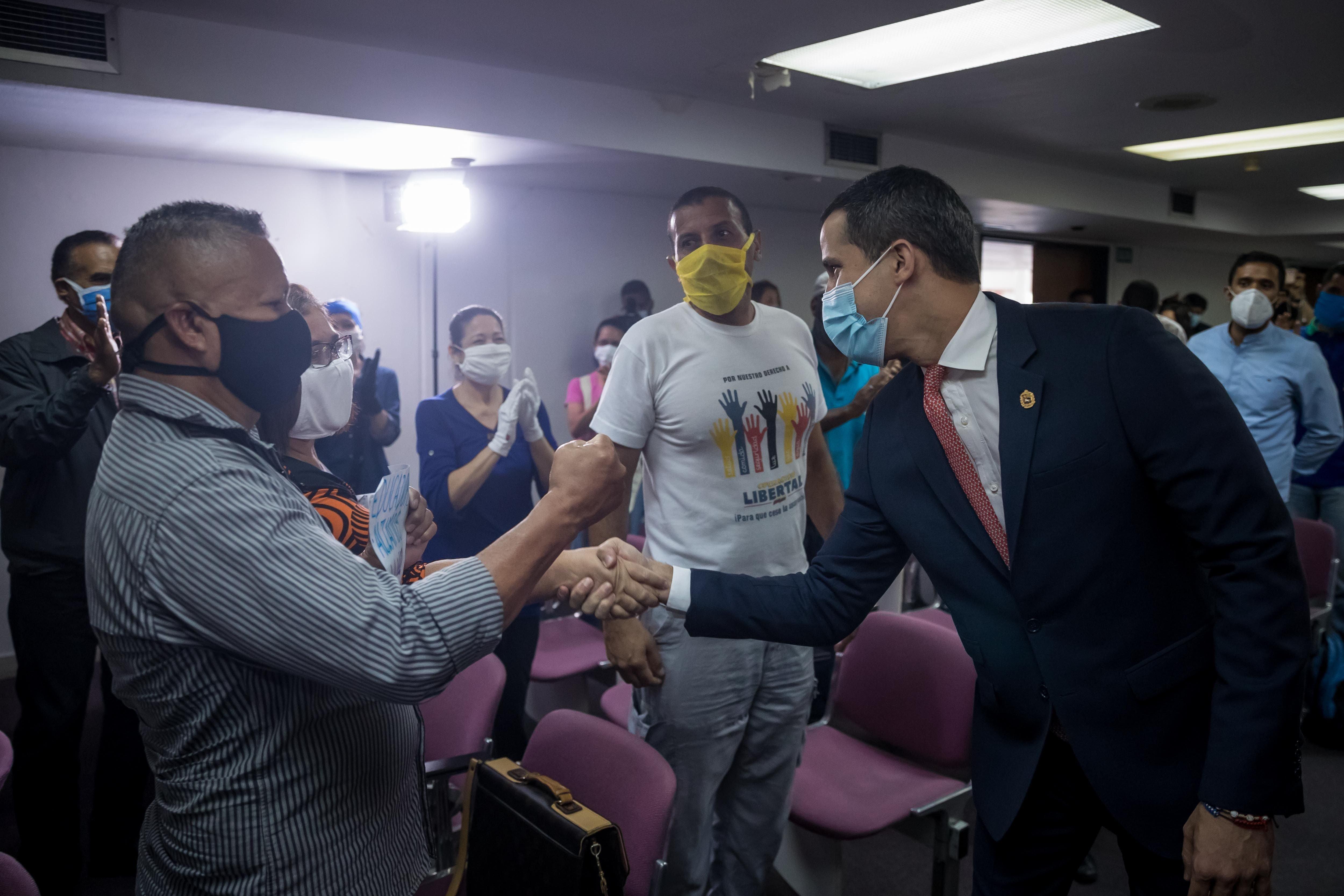 La violencia, las amenazas y la censura marcan la campaña electoral en Venezuela