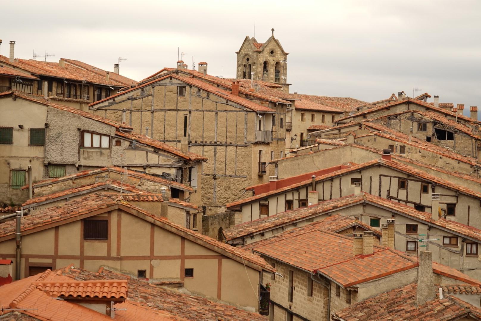 Vista de los tejados de Frías.