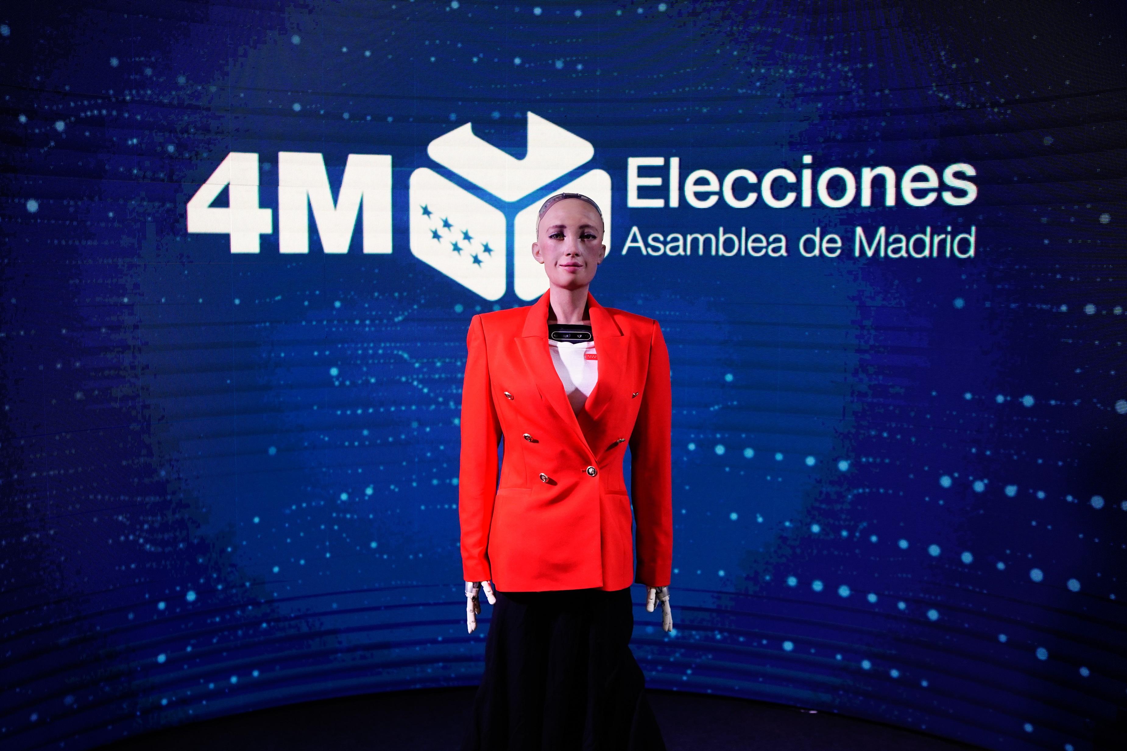¿Qué hay realmente de revolucionario en Sophia? La inteligencia artificial que informará de las elecciones de Madrid