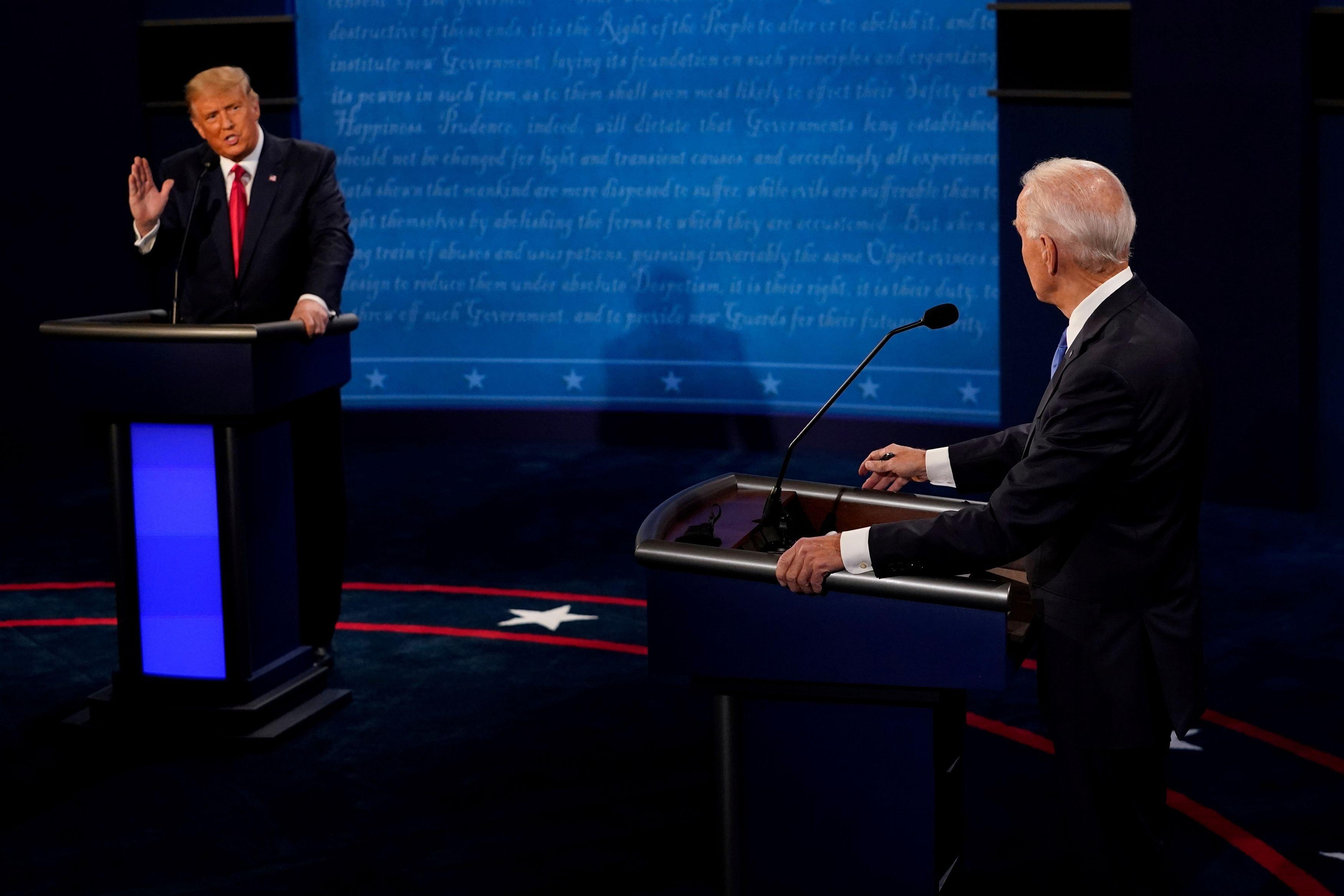 """Debate elecciones EE UU: Biden quiere que """"toda la responsabilidad"""" de las muertes por coronavirus caigan sobre Trump"""