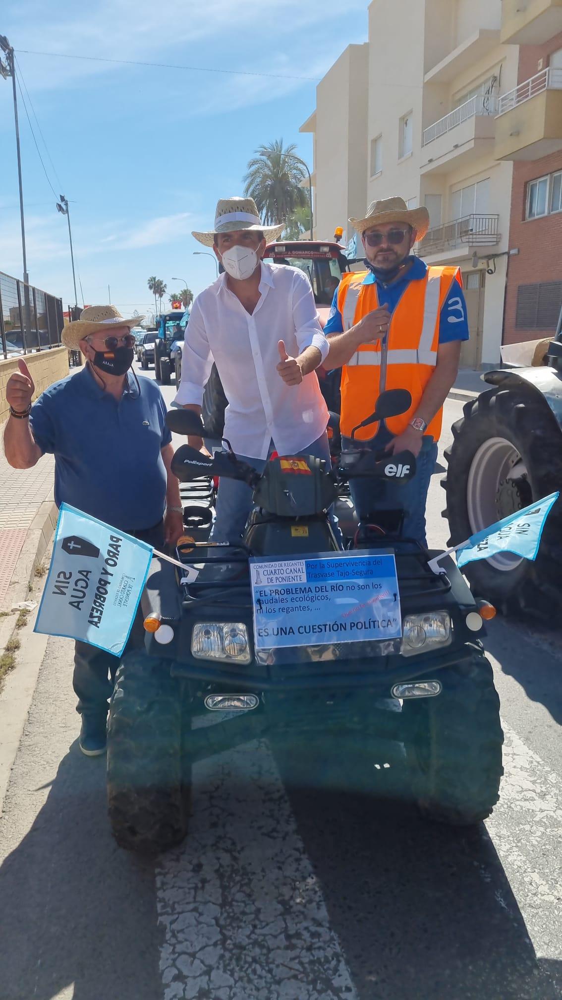 Mazón se manifiesta en Orihuela contra el recorte del trasvase Tajo-Segura