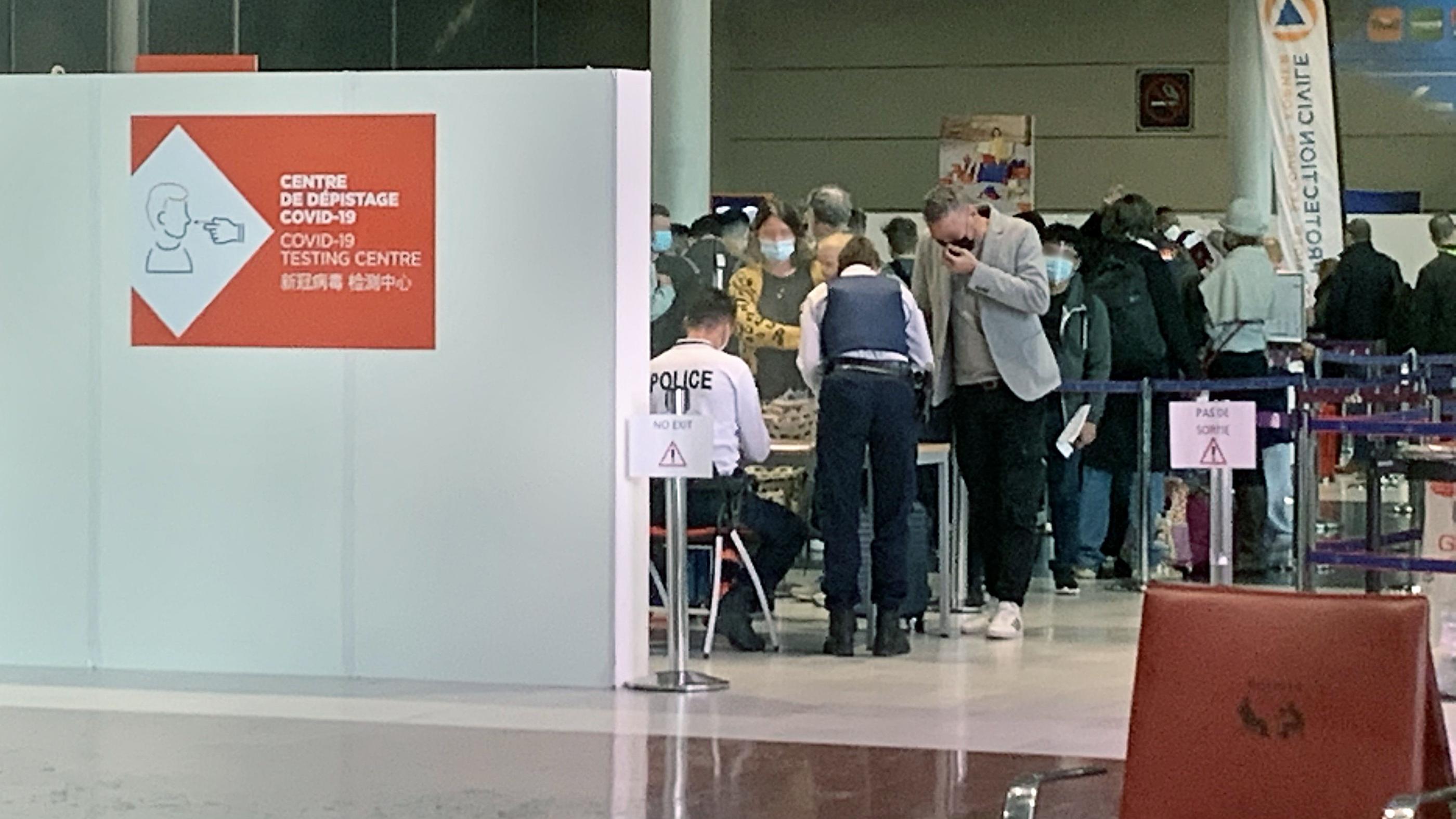 Voyageurs à risque : «La quarantaine est contrôlée au moins une fois», assure le ministère de l'Intérieur