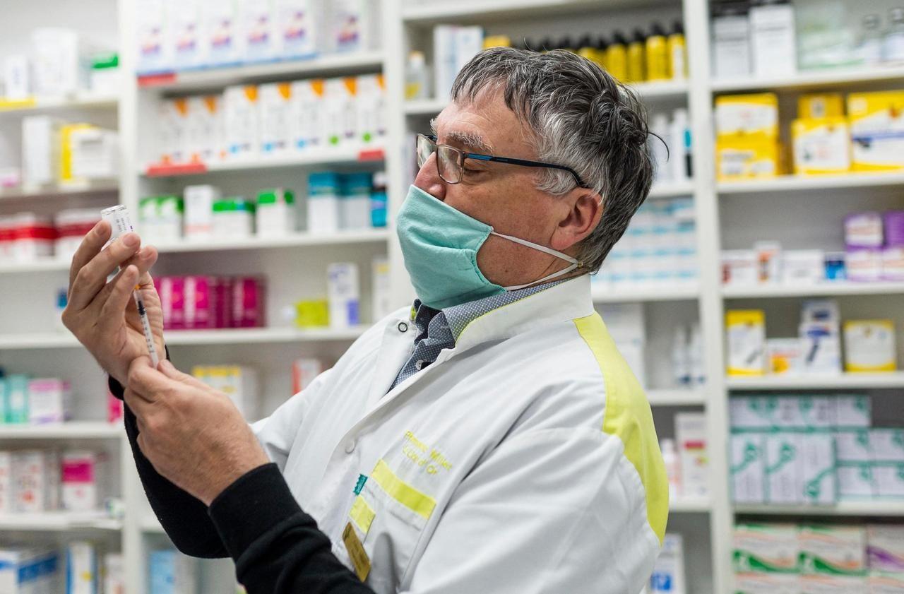 Covid-19 : les vaccins Pfizer et Moderna bientôt injectés en pharmacie
