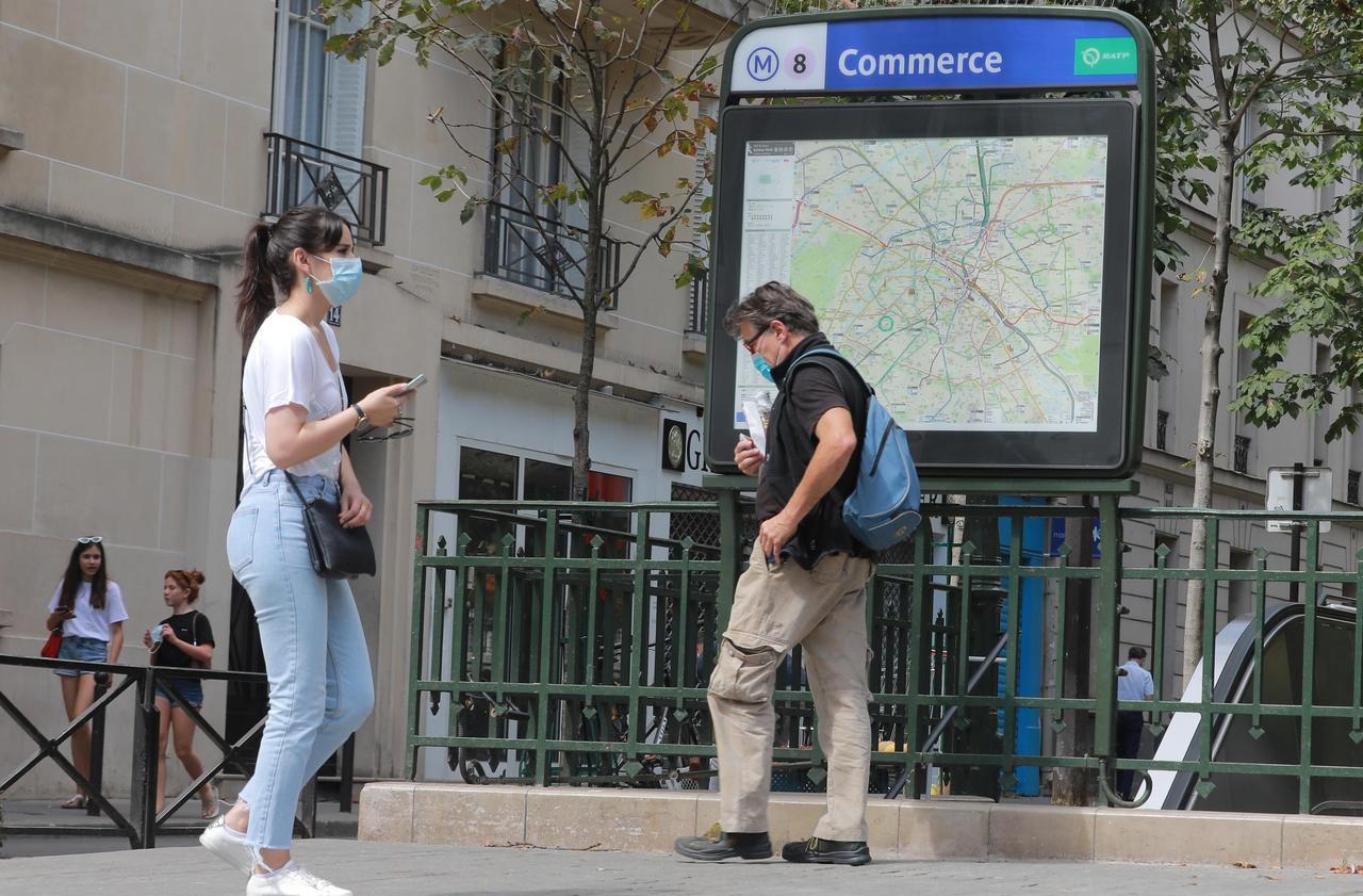 Port du masque obligatoire à Paris : seuls les piétons finalement concernés
