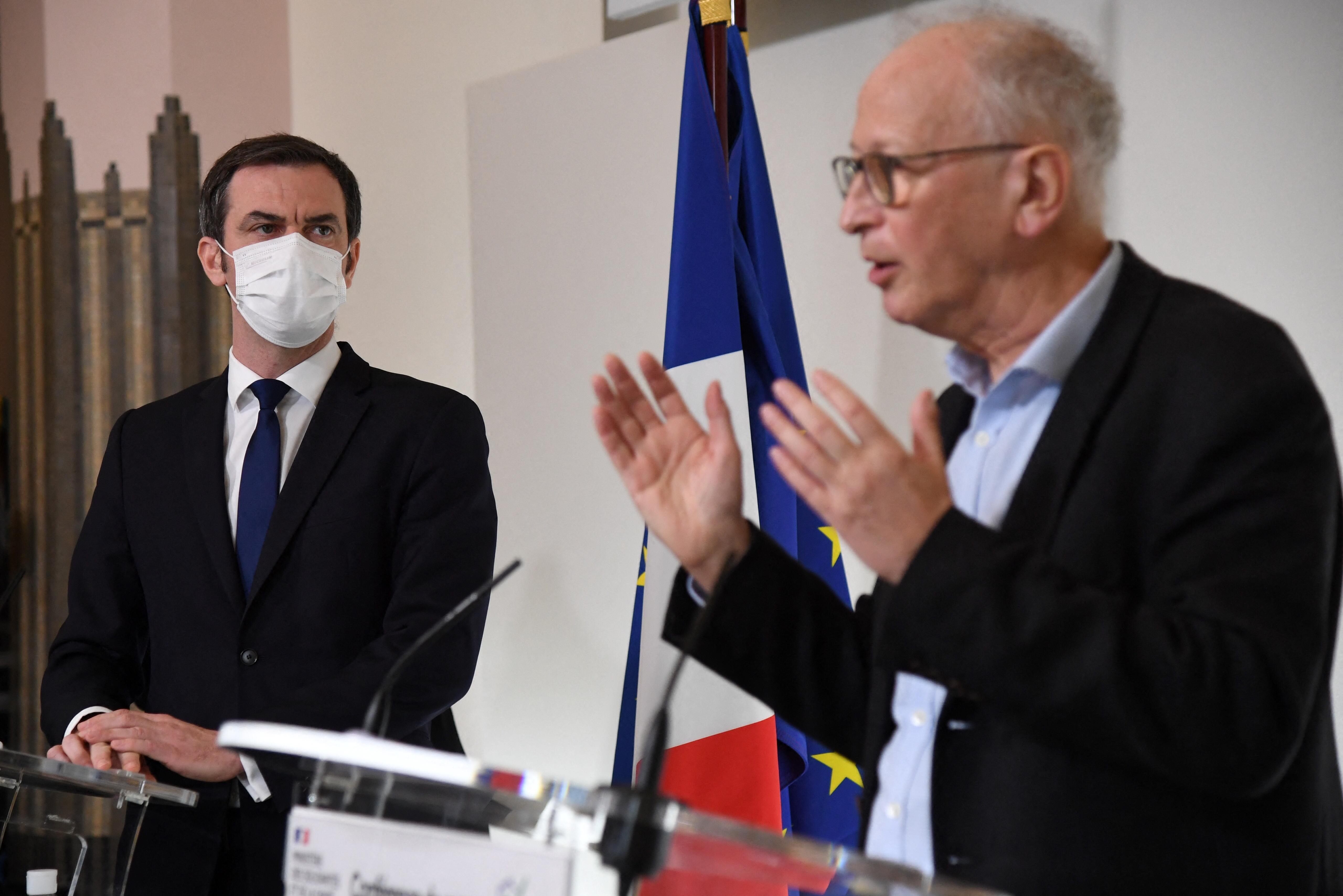 Vaccin anti-Covid-19 : comment le gouvernement se démène pour convaincre d'utiliser AstraZeneca - Le Parisien