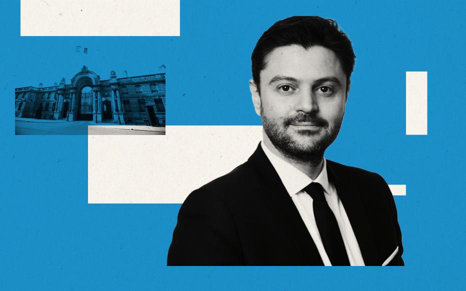 Emmanuel Macron étrille LR en Conseil des ministres