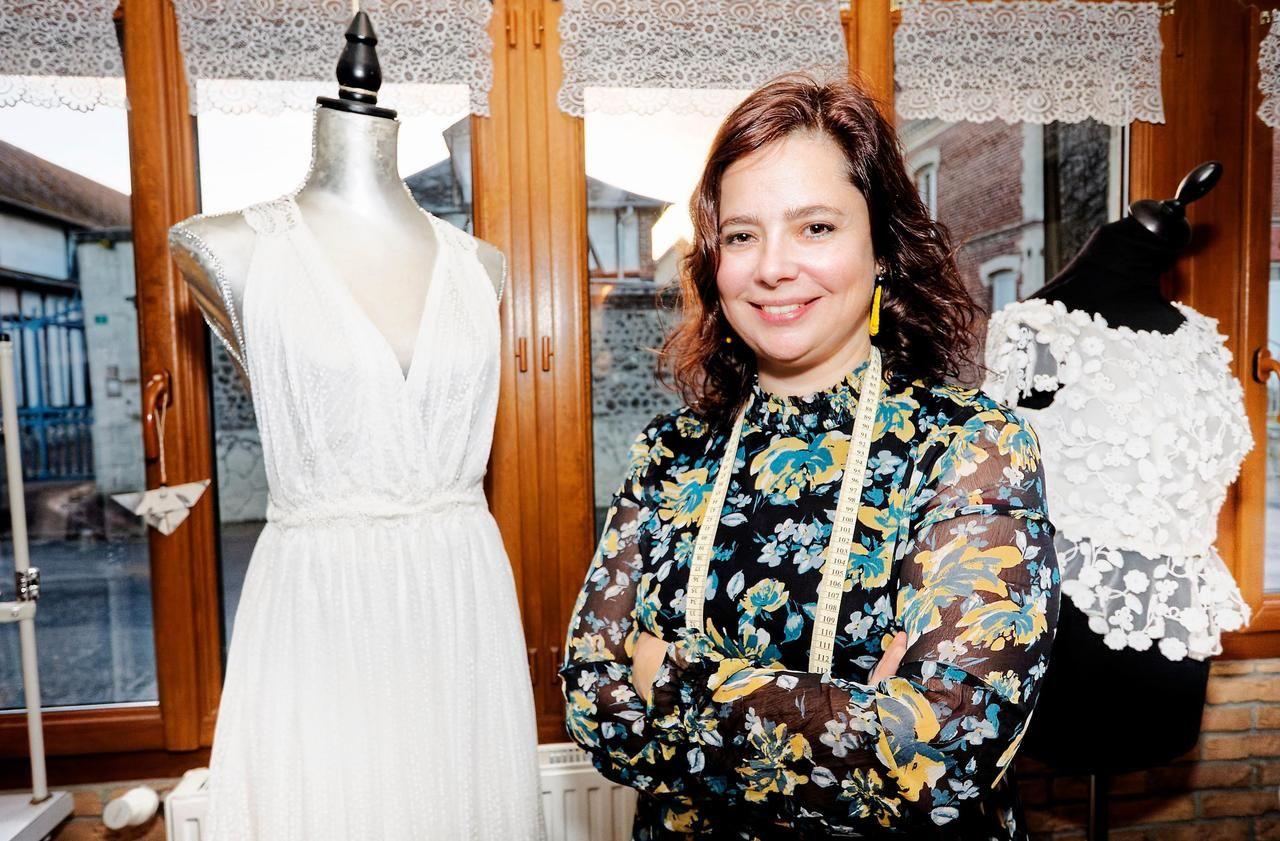 Près de Rouen, les robes de mariée de Maud Germain ont bien résisté à la crise
