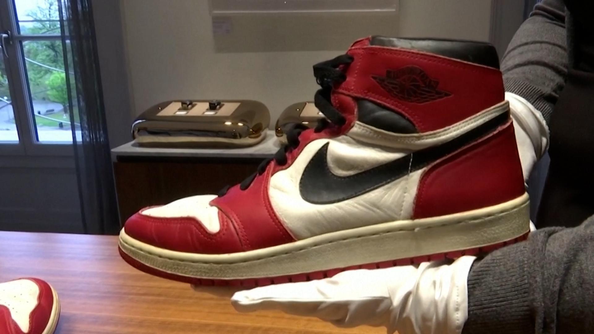 Enchères : 152500 dollars pour les baskets portées par Michael Jordan à ses débuts en NBA