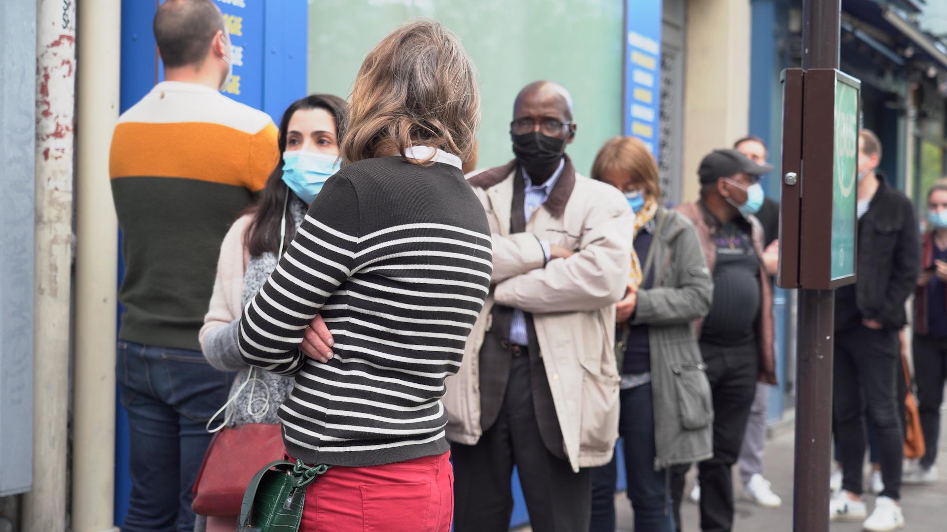 VIDÉO. Chasseurs de doses cherchent vaccins désespérément : «Si je ne trouve pas, j'irai aux Etats-Unis»