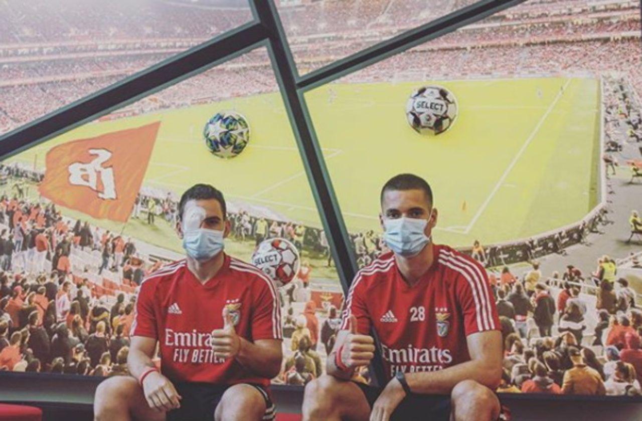 Portugal : deux joueurs du Benfica blessés par des jets de pierre sur leur bus
