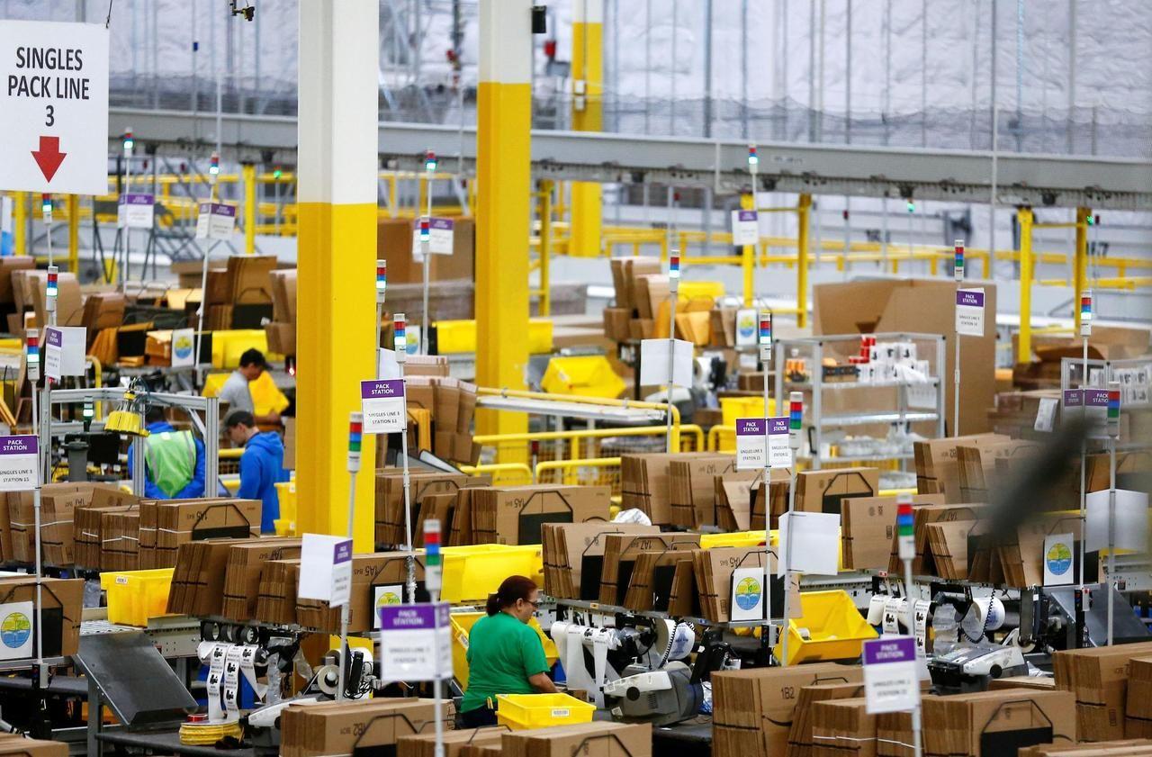 Commerces : le gouvernement obtient d'Amazon la suspension de la campagne pré-Black Friday