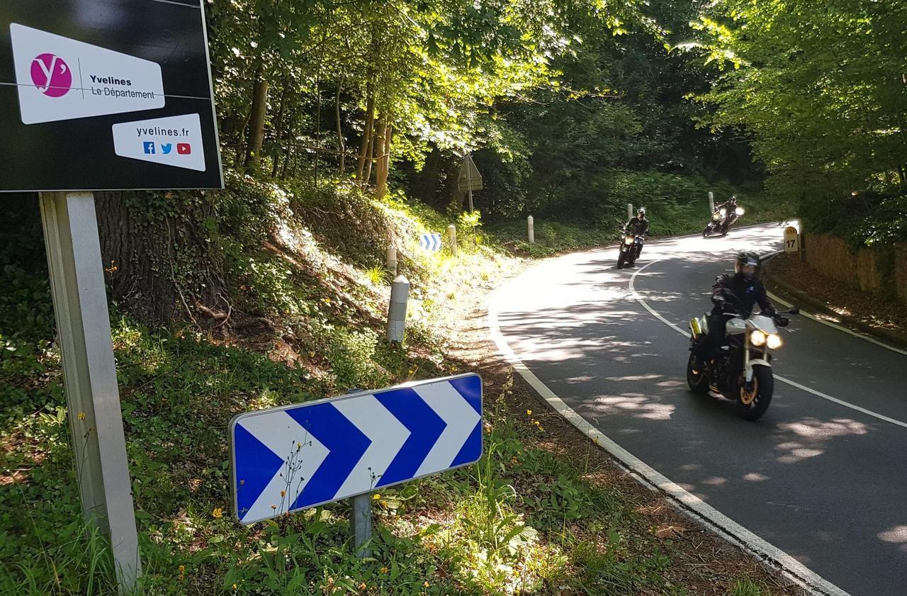 Yvelines : six motards interpellés en flagrant délit de rodéo, leurs motos saisies