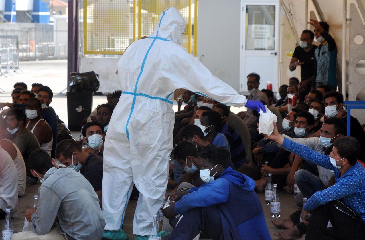 Sicile : 75 migrants se jettent à la mer pour rejoindre la côte