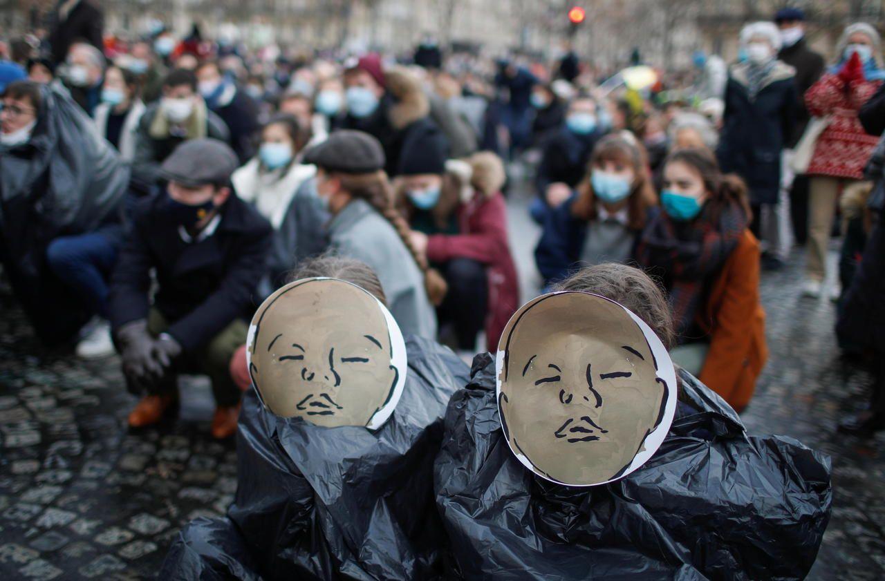 Paris : plusieurs centaines de personnes rassemblées contre l'avortement