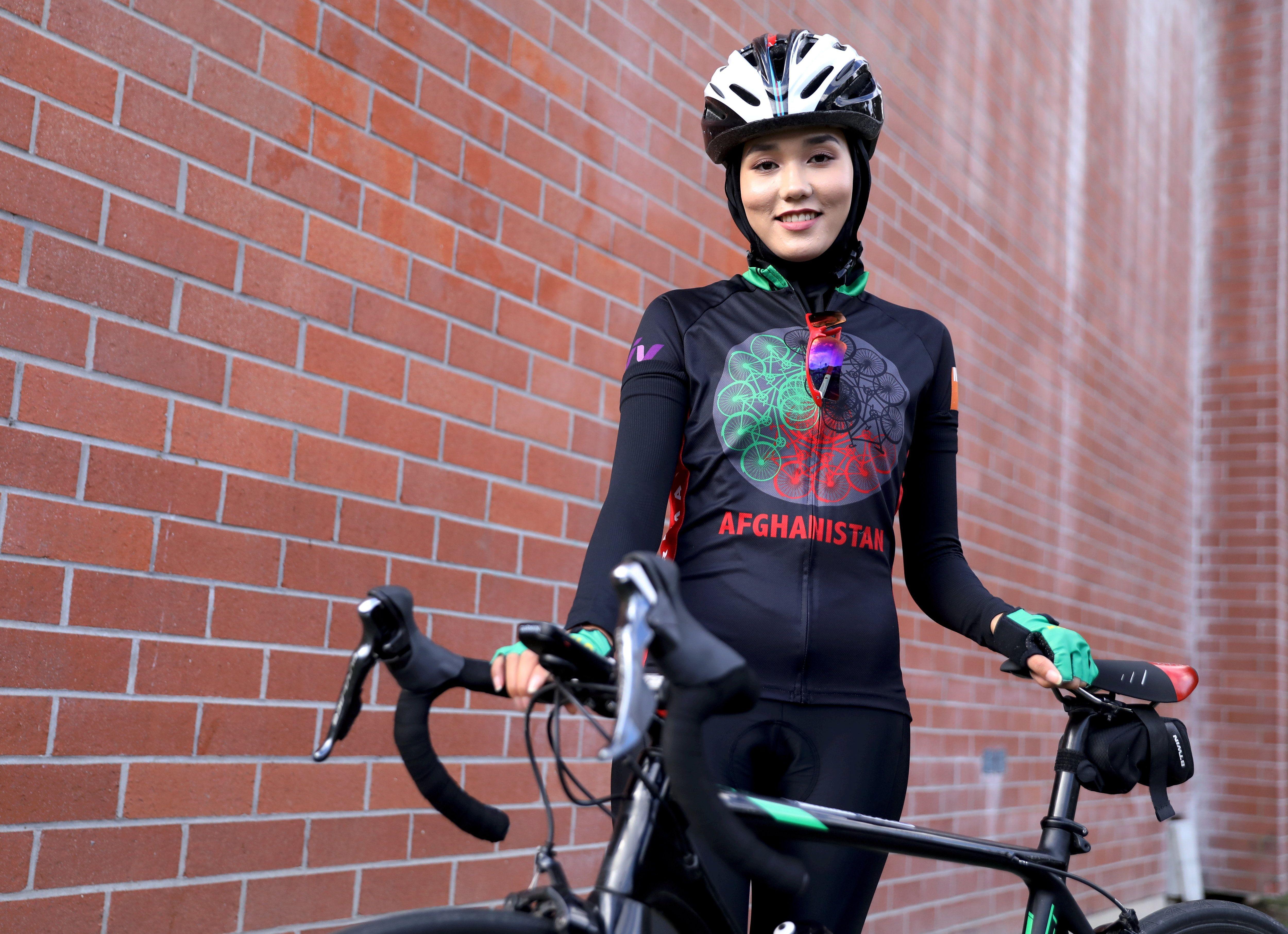 Cyclisme : réfugiée en France, l'Afghane Masomah Ali Zada fonce vers les Jeux olympiques