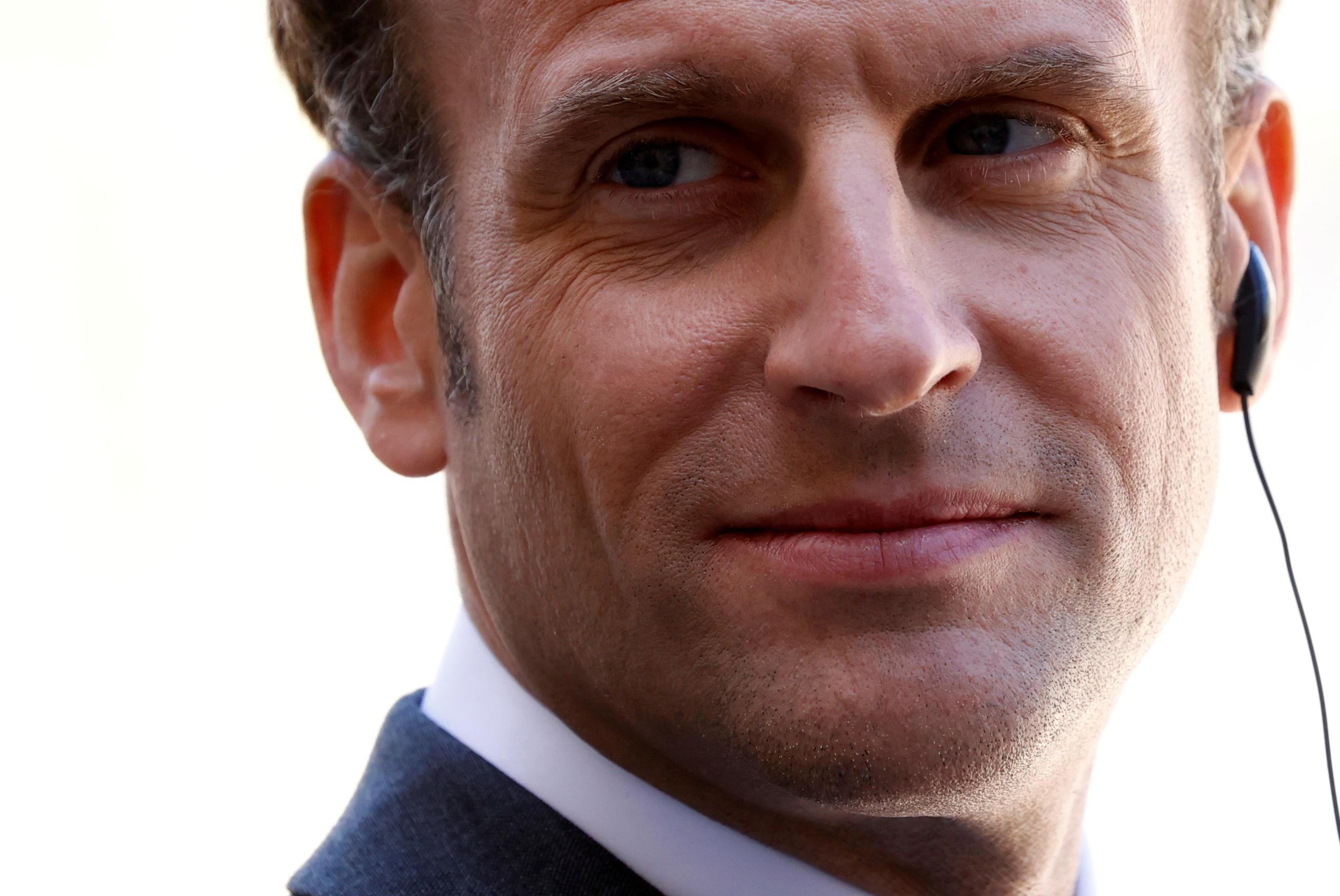 Régionales en Paca : «Un coup de boutoir d'Emmanuel Macron pour dynamiter la droite»