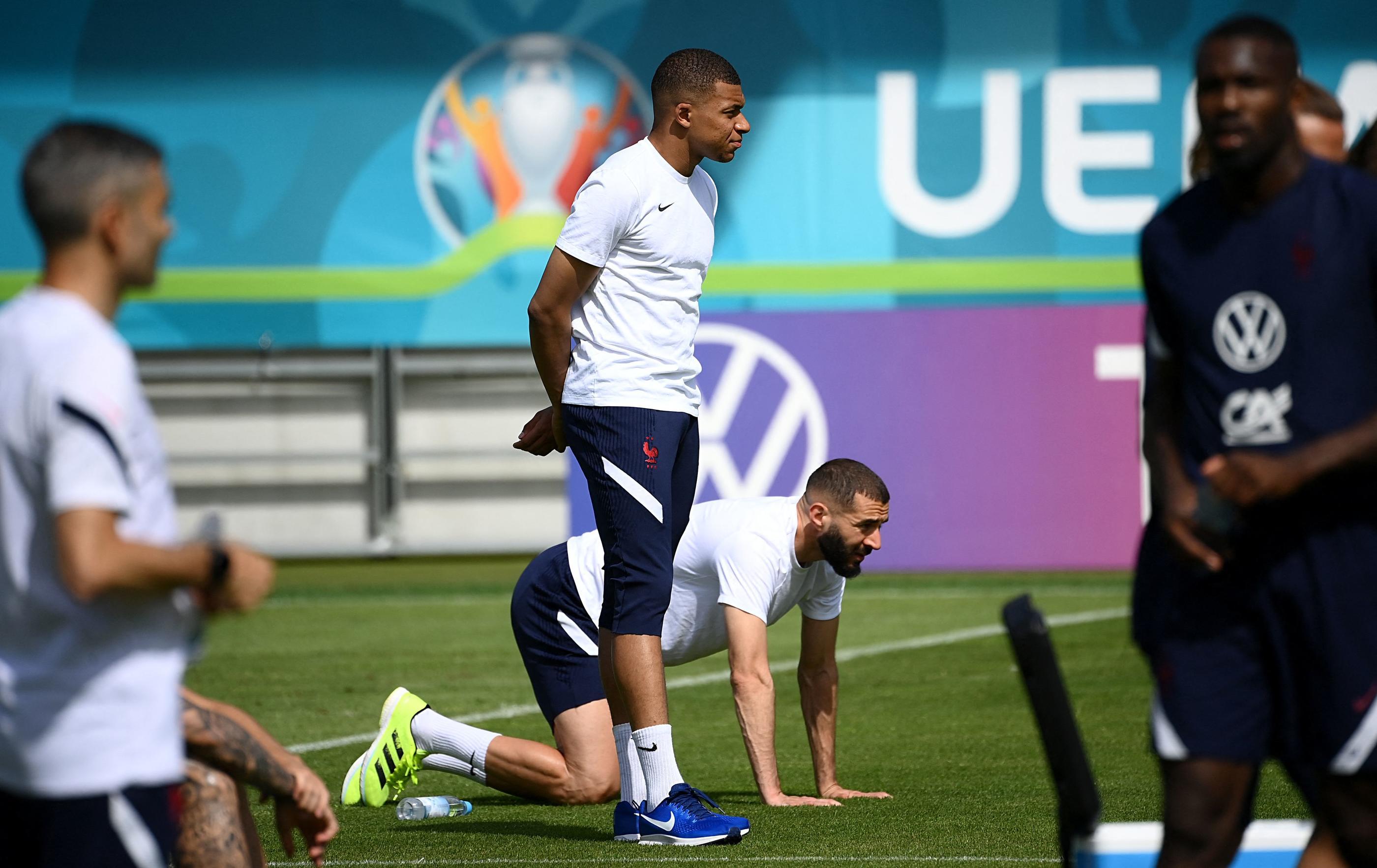 Euro 2021 La Logistique Des Bleus Un Sacre Defi Le Parisien