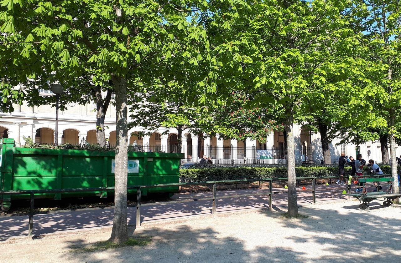 Polémique : le Luxembourg est-il mieux entretenu que les jardins de la ville de Paris?