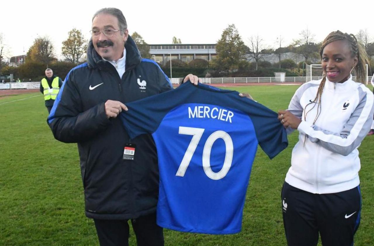 Football : « je veux faire de la Ligue de Paris la première du monde ! », assure Thierry Mercier
