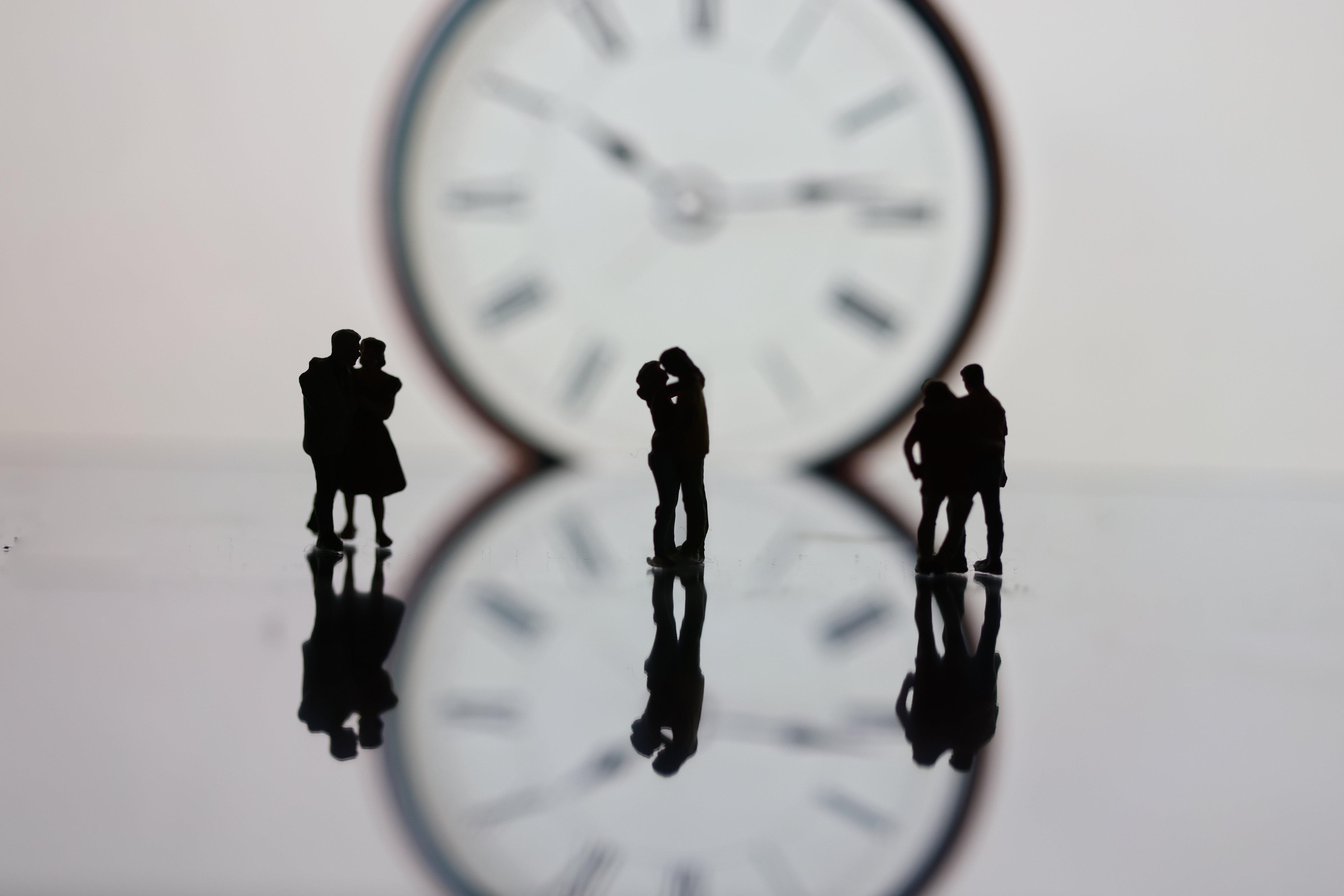 «J'ai envie le matin alors qu'elle préfère le soir» : le désir en décalage, un casse-tête pour les couples