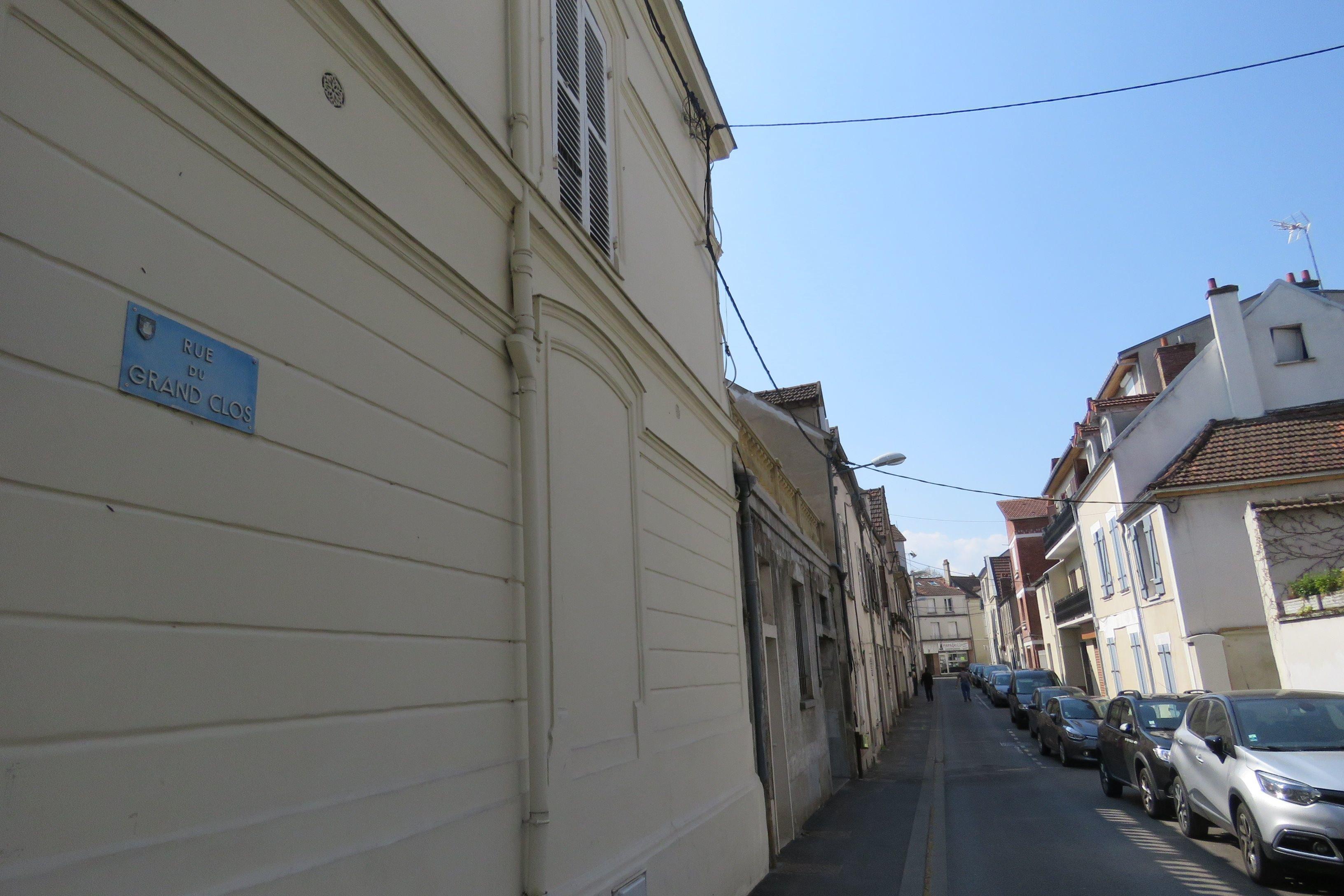 Seine-et-Marne. Une pharmacie de Combs-la-Ville défoncée à la voiture-bélier