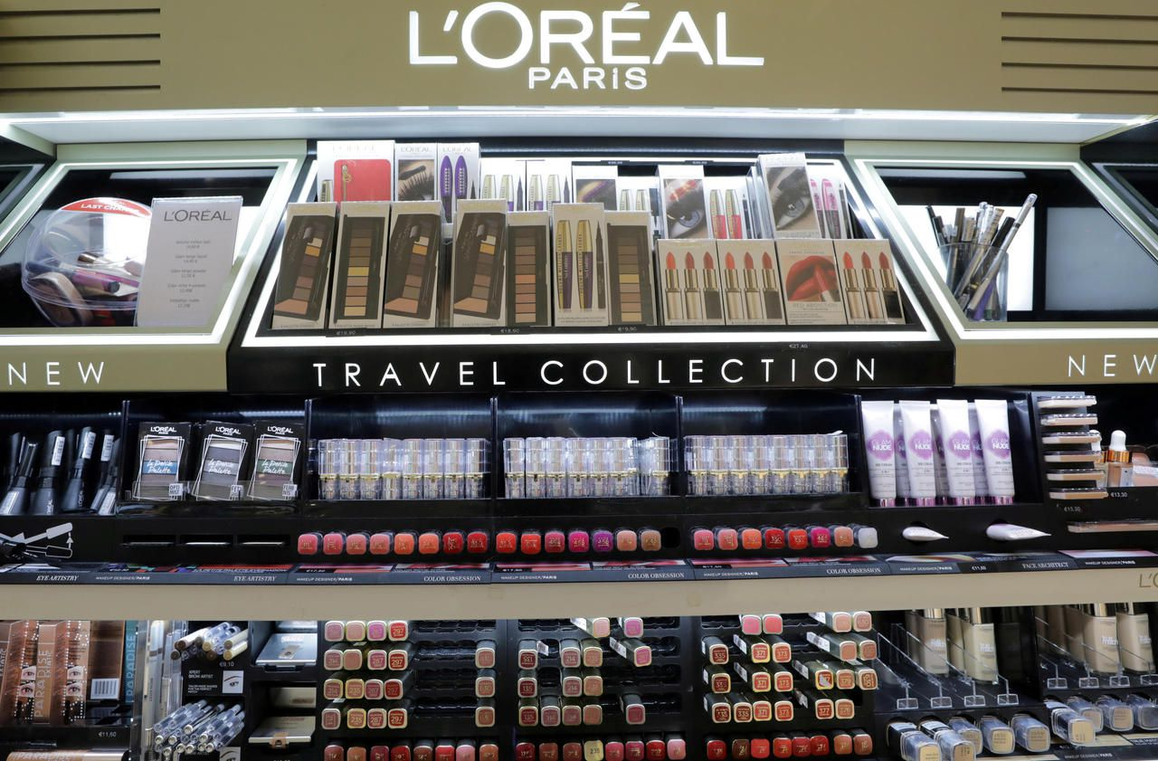 "L'Oréal will ban certain words, such as ""whitening"", from its products"