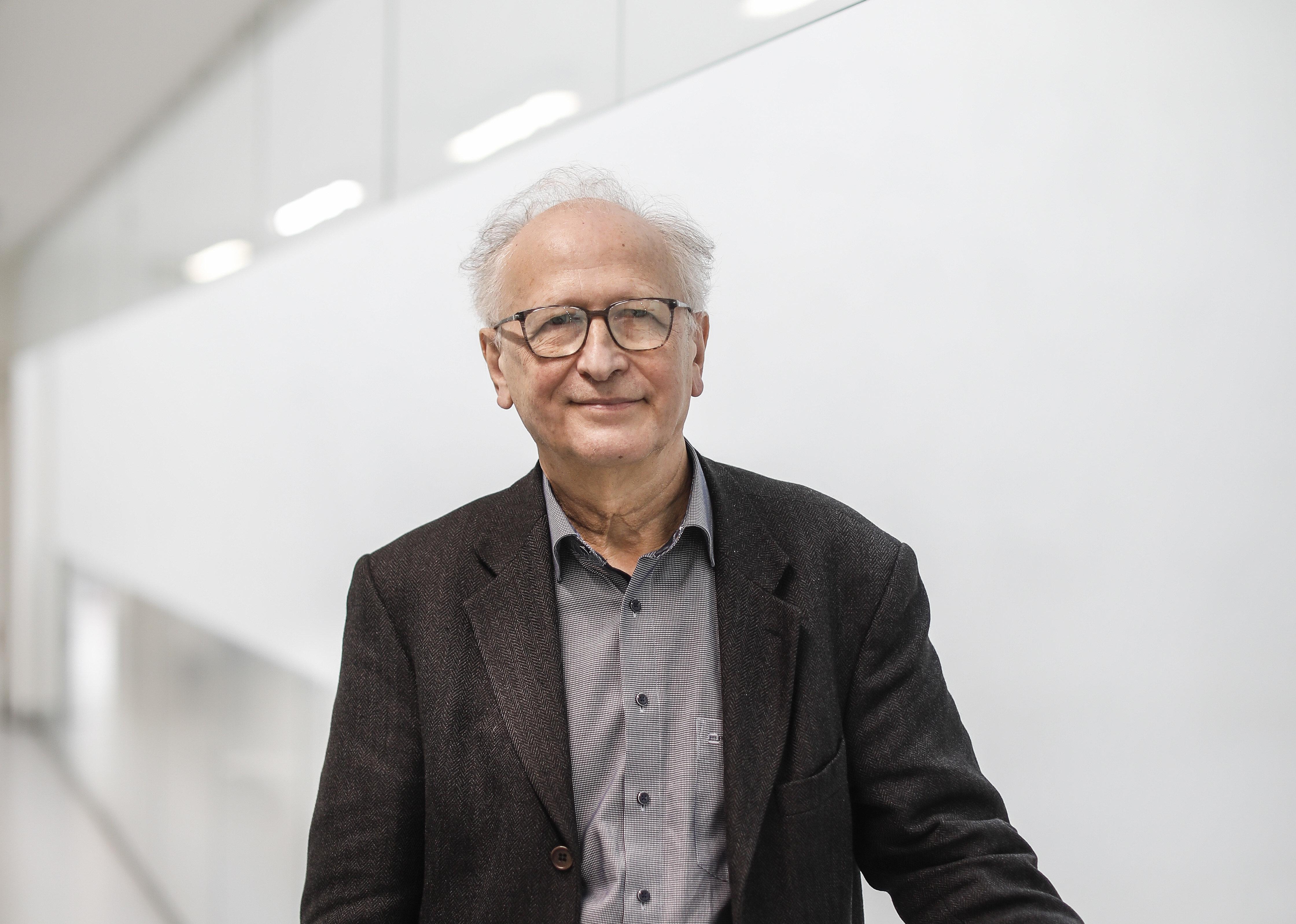 Covid-19 : calendrier, efficacité, retard... Ce qu'il faut retenir de l'interview d'Alain Fischer, Monsieur vaccin du gouvernement - Le Parisien