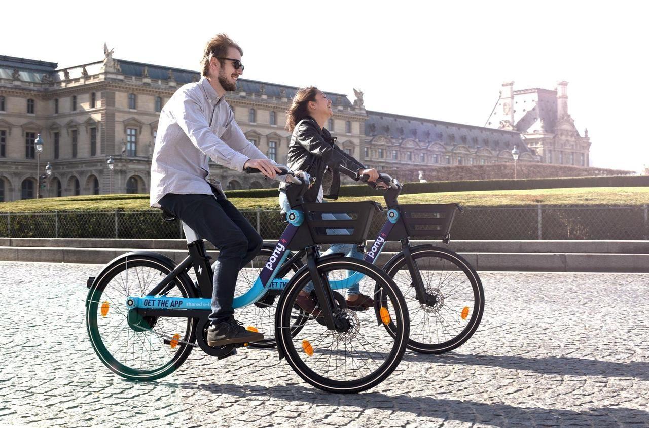 Pony déploie 500 vélos électriques en libre-service le long des lignes 1 et 13 du métro - Le Parisien