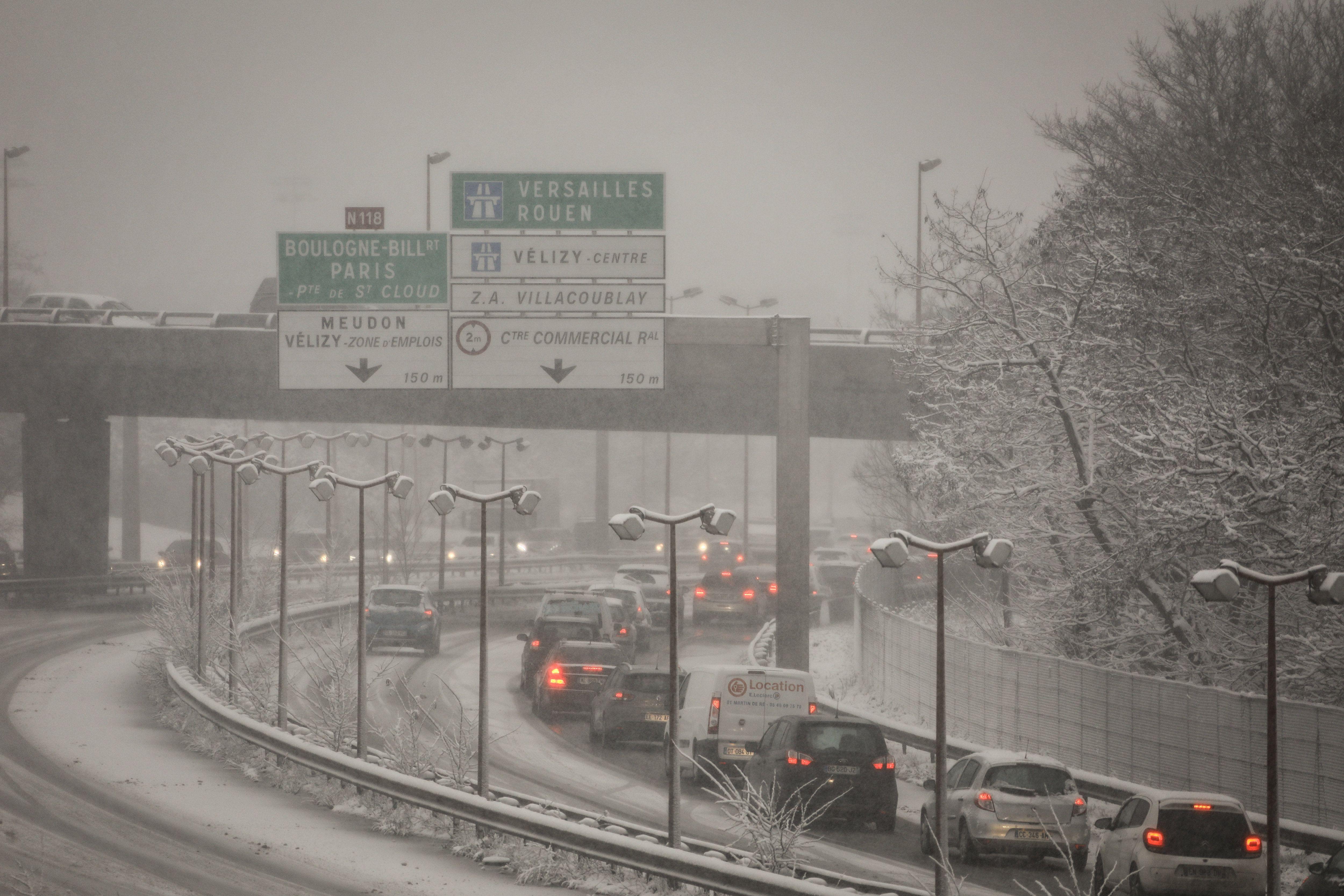 Neige sur l'Ile-de-France : écoles fermées et ramassage scolaire annulé dans plusieurs départements - Le Parisien