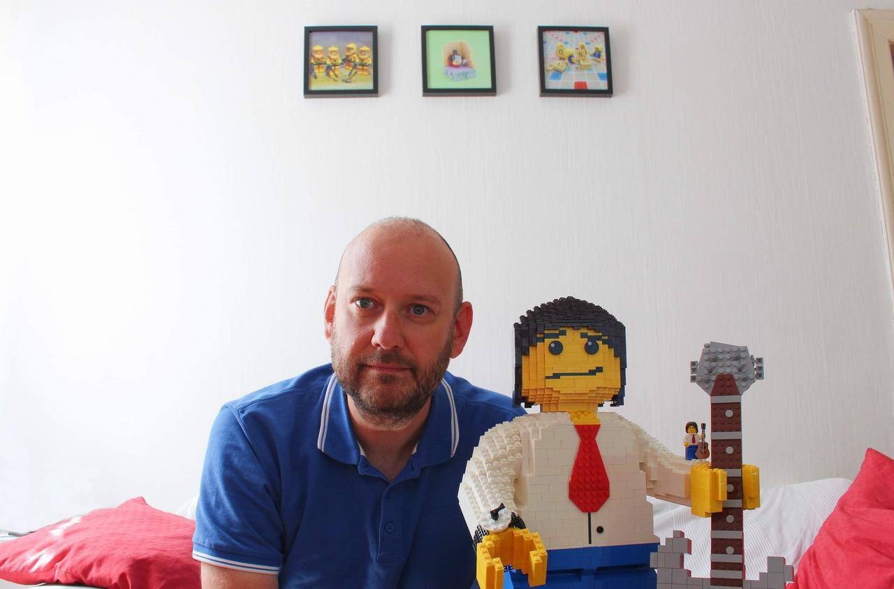 A Strasbourg, Jean-Jacques Goldman a son double en Lego !