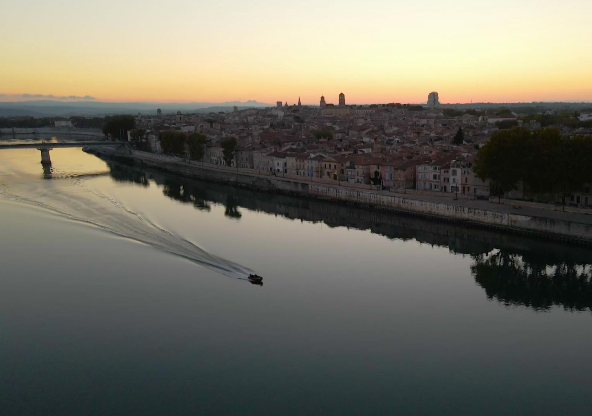 Epave romaine à Arles : le trésor du Rhône menacé par les pirates
