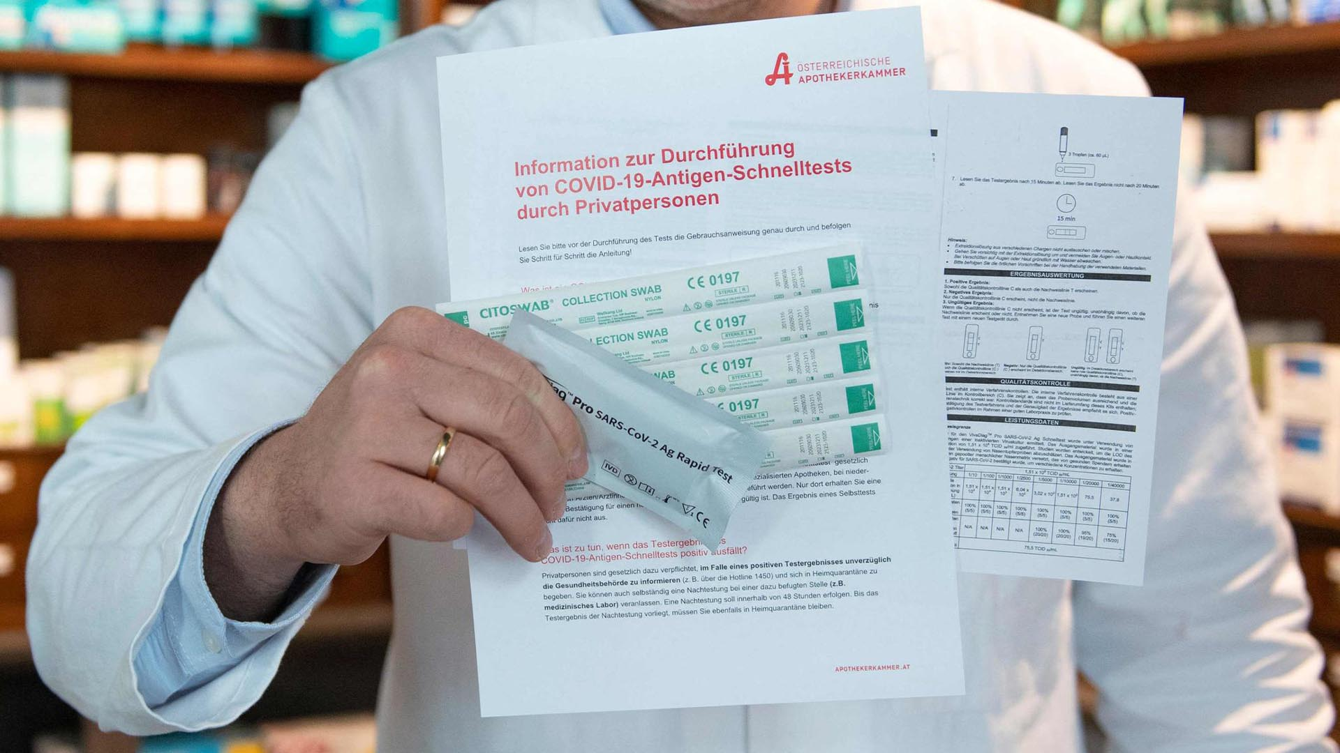 VIDÉO. Covid-19 : l'Autriche déploie les « auto-tests », des dépistages gratuits à faire chez soi