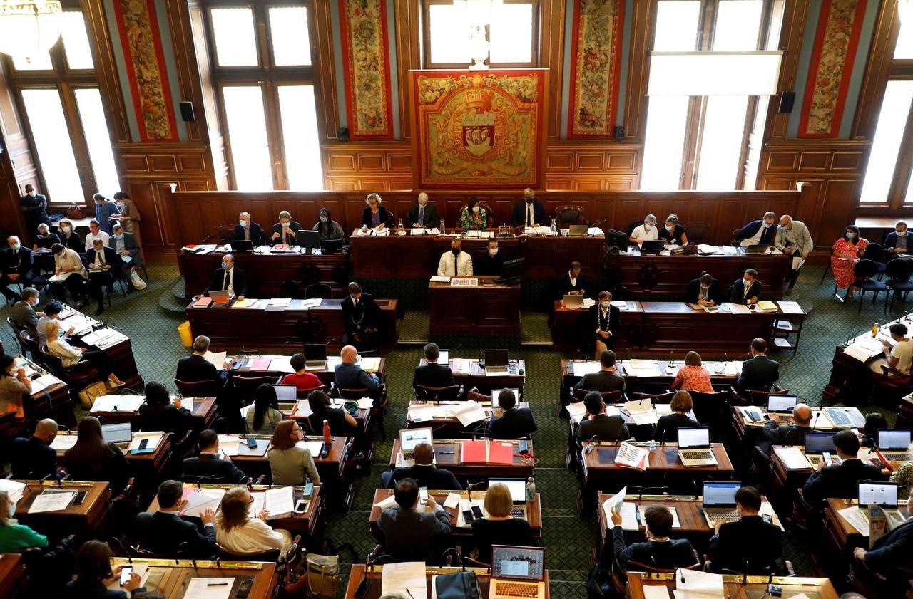 Déclaration d'intérêts des élus parisiens : Hidalgo propriétaire d'une maison de 118 m2 dans le 15e