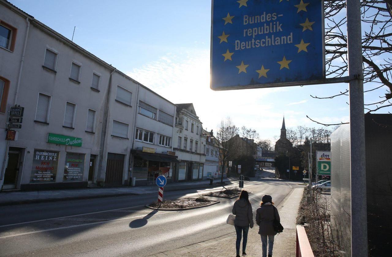 Covid-19 : l'Allemagne confine la Moselle, les élus désemparés - Le Parisien