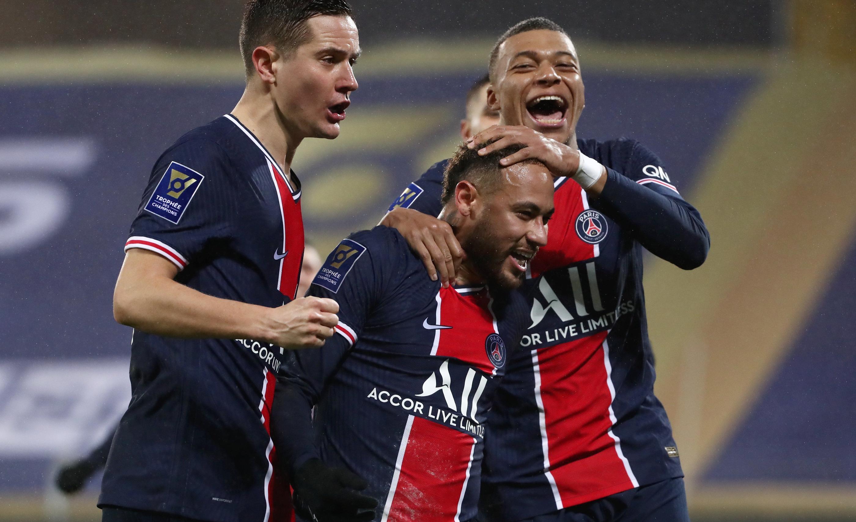 PSG, Monaco, OM... Quelle langue parle-t-on dans les vestiaires cosmopolites du foot?