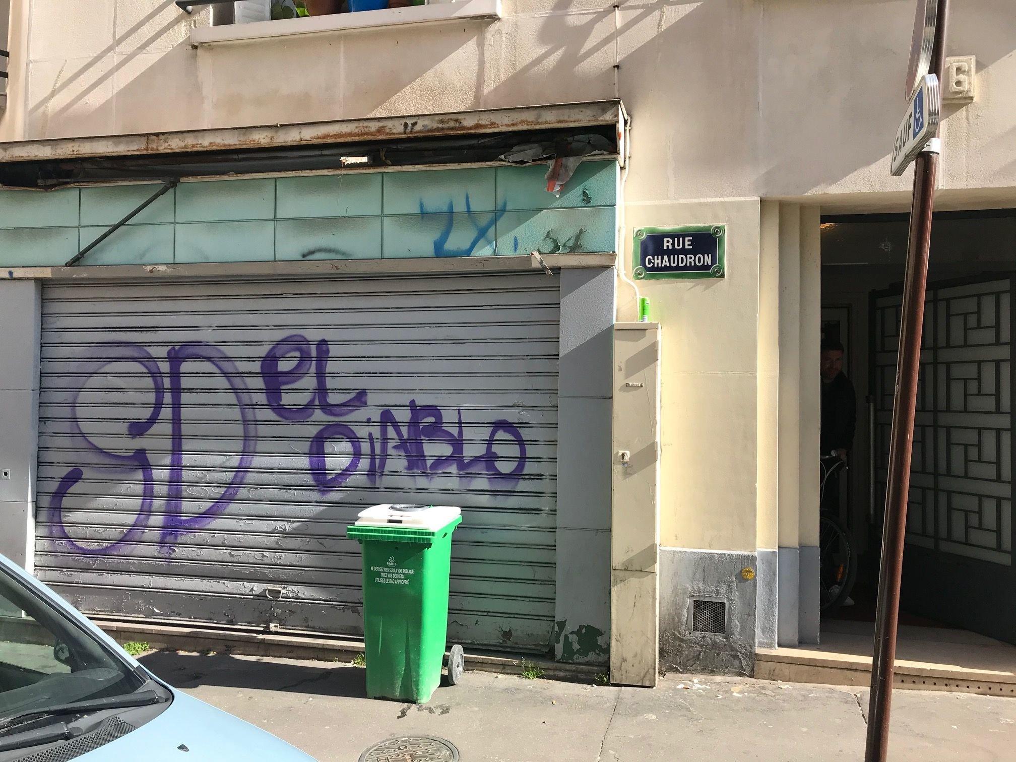Paris : des habitants piratent l'application de la Ville «Dans ma rue» pour dénoncer la multiplication des tags